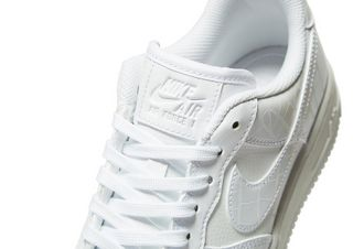best sneakers 32ef3 38e57 Nike Air Force 1 Reptile Femme
