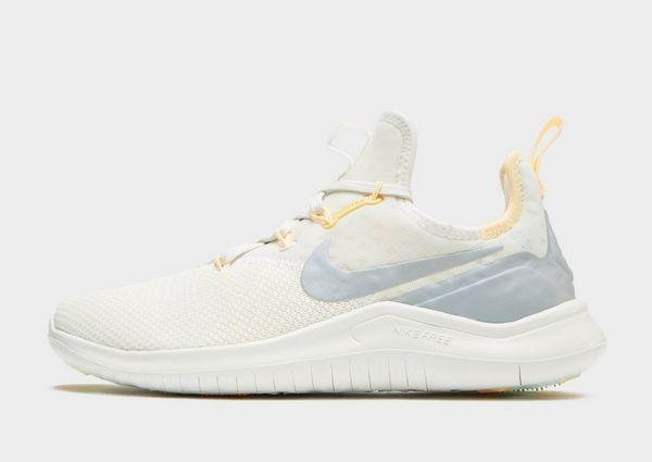 hot sale online 70493 70888 Nike Free TR8 Dam