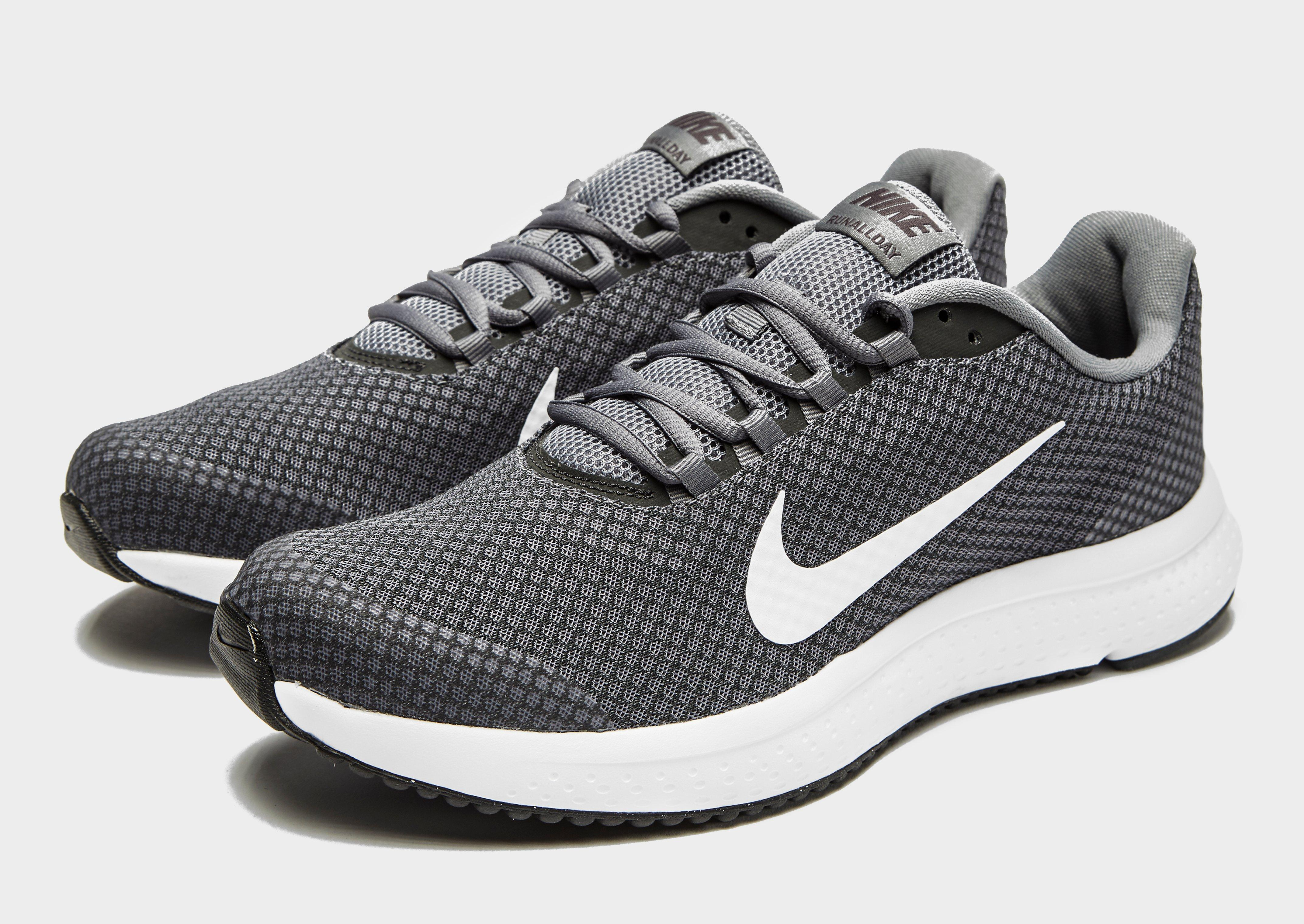 new styles 604ff 0afb0 For women and teenage girls, there are a wide variety of tennis shoes,  heels, and boots nike mercurial veloce iii to choose from. nike mercurial  wiki ...