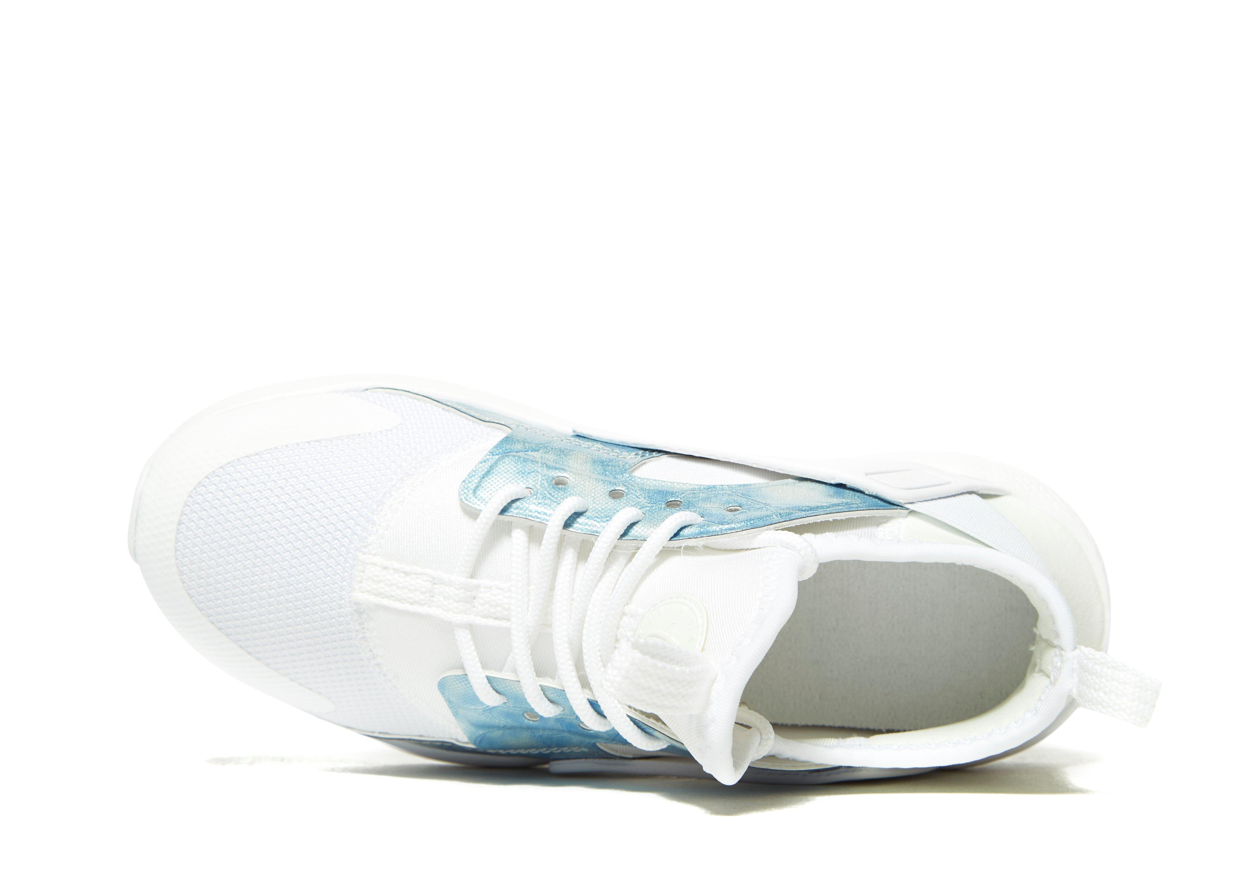 aa975d49b459e Indeed shoes designers are always taking up the challenge of designing the  most creative and comfortable shoes for women. Durability is also important.