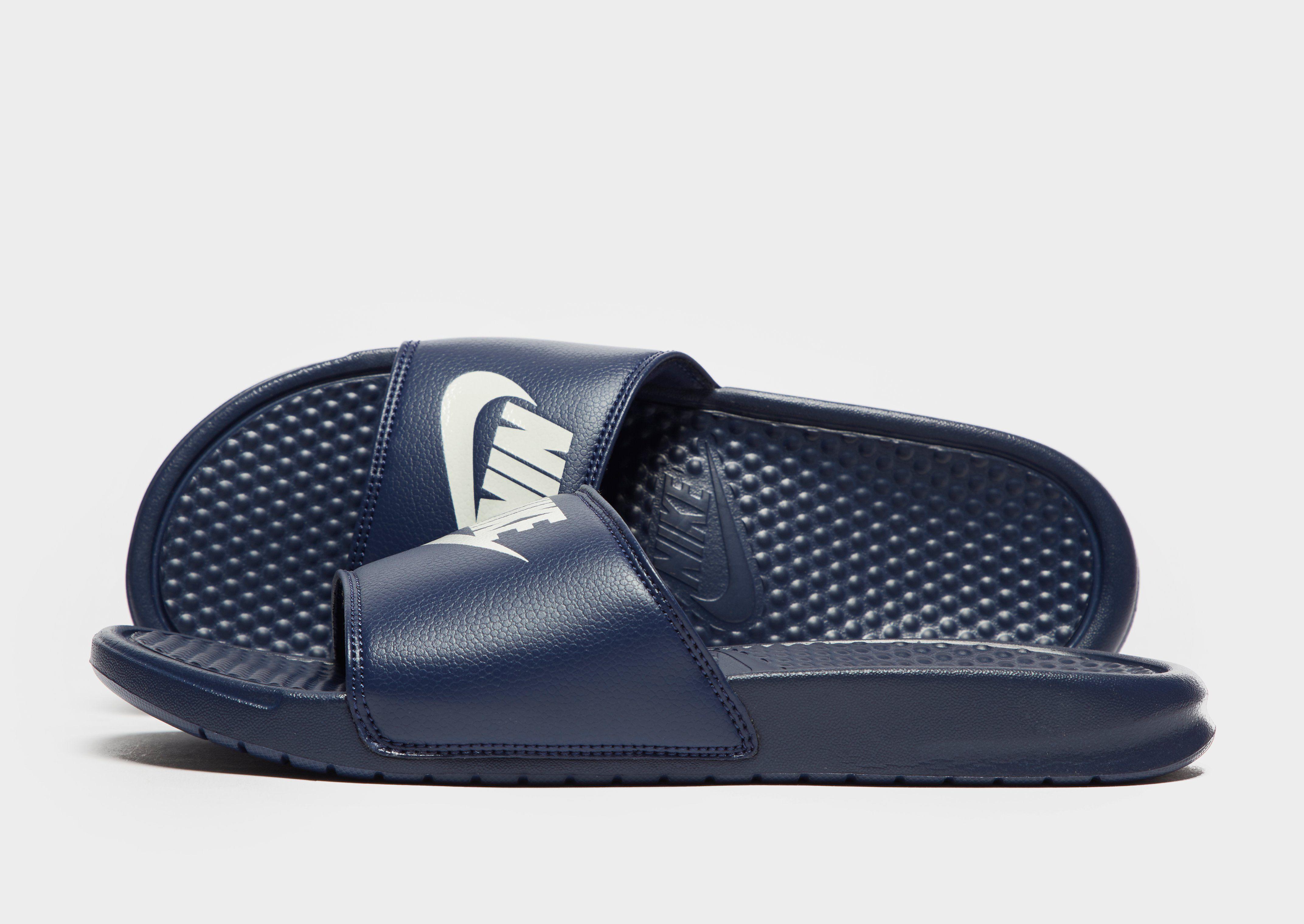 c5b6783c318d Nike Benassi Just Do It Slides