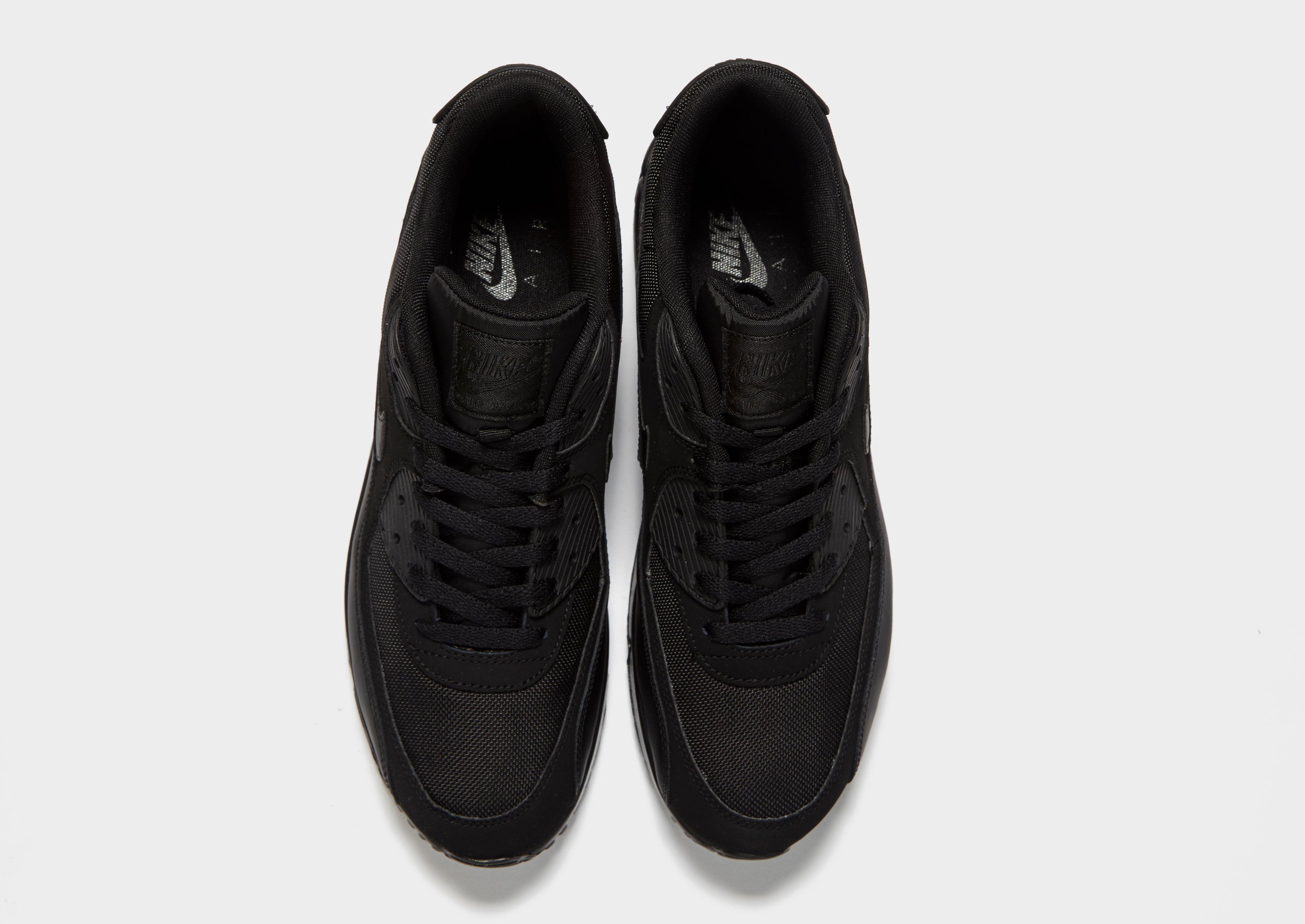 9e37568b8954 air max mile The Nike Air Max 2017 iD Running Shoe ...