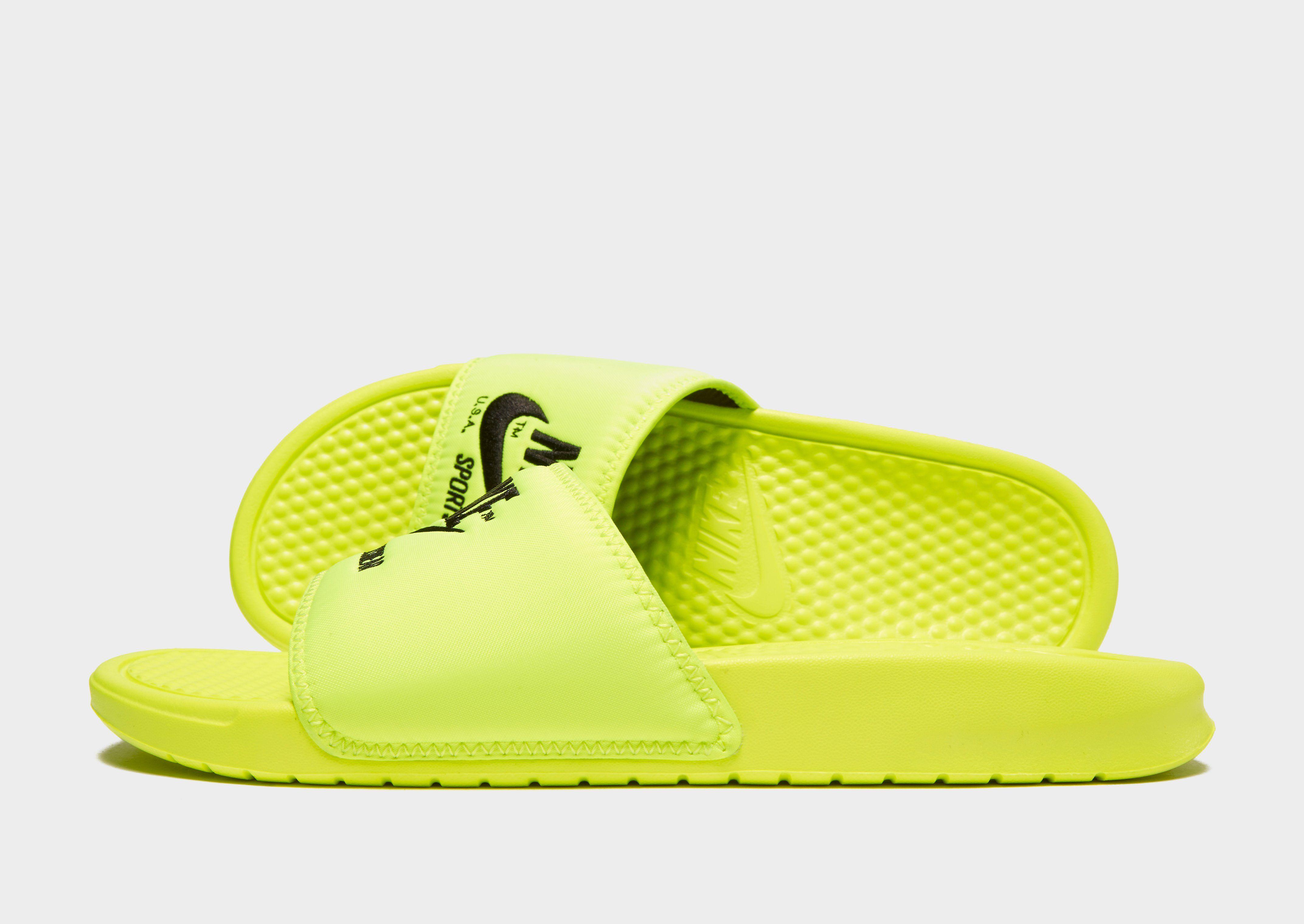 e565ee17c0d6 Nike Sportswear Benassi Text Slides