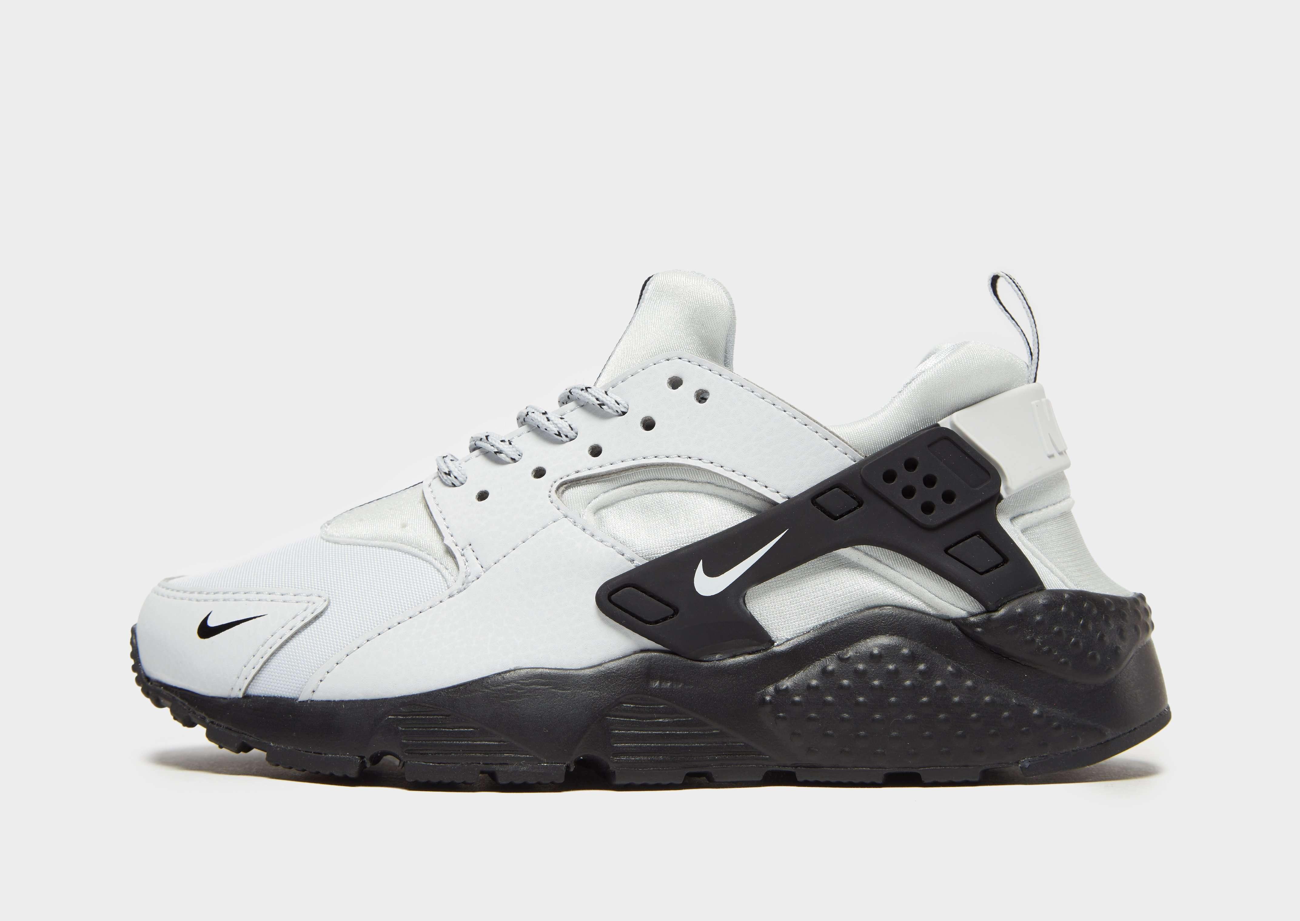 purchase cheap 04ca0 67543 Nike Air Huarache SE Junior   JD Sports