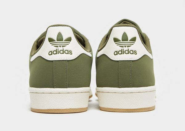 new product 371a5 2db93 adidas Originals Superstar