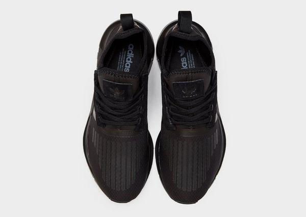 bfed3759e9e2d adidas Originals Swift Run Barrier