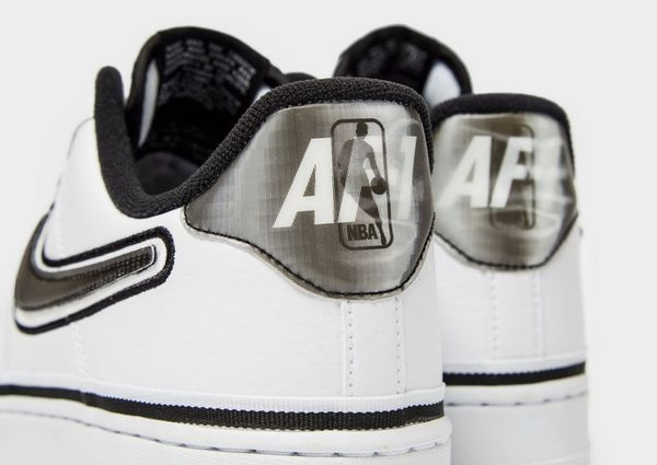 designer fashion b7e17 acf6e Nike Air Force 1 Low 07 LV8 NBA