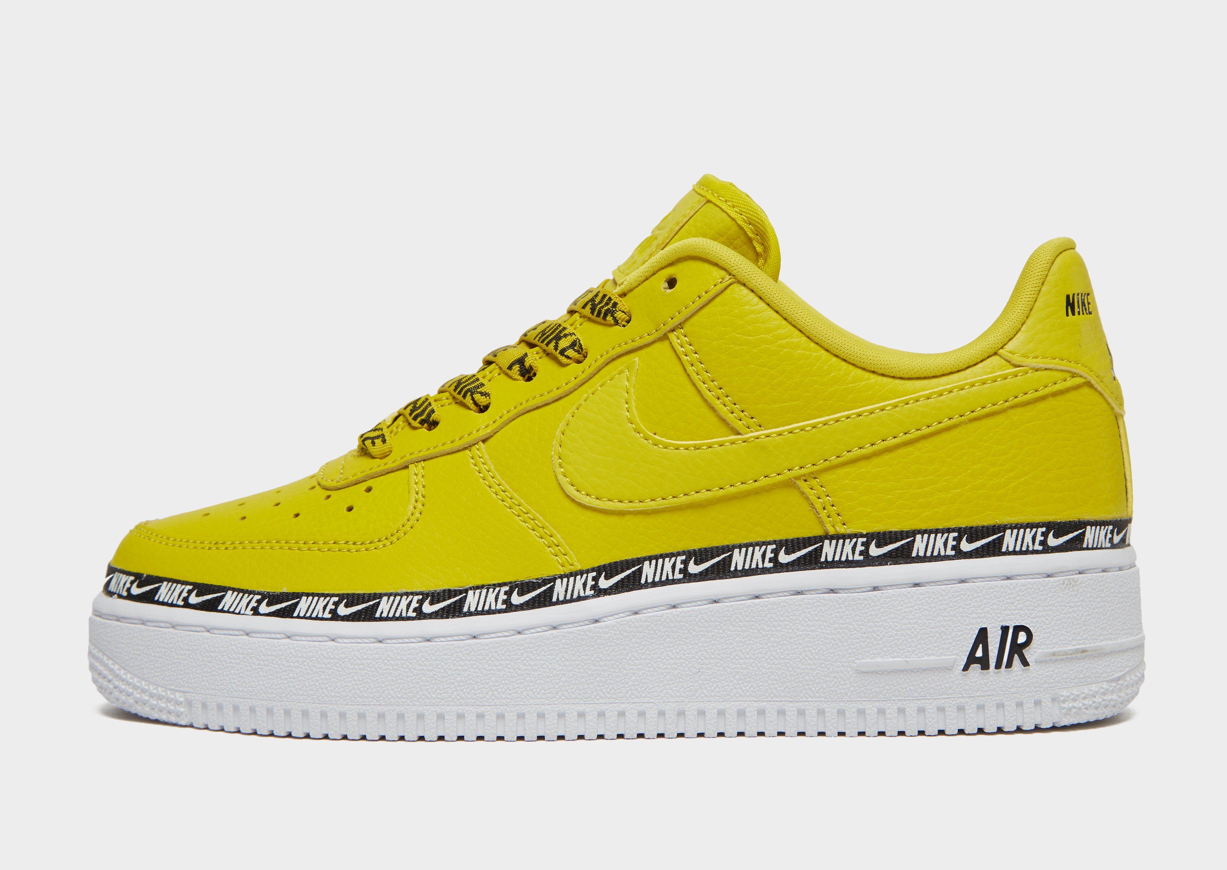 484eae3e1289 NIKE Nike Air Force 1  07 SE Premium Women s Shoe