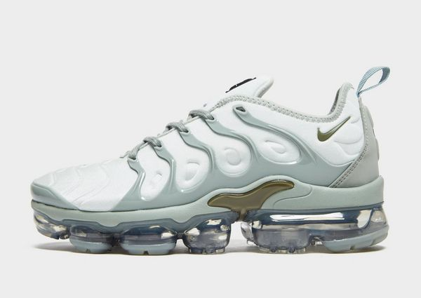 89887546fb8b4 Nike Air VaporMax Plus Women s