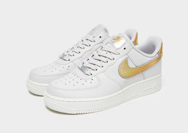 302870478ca Nike Air Force 1  07 LV8 para mujer
