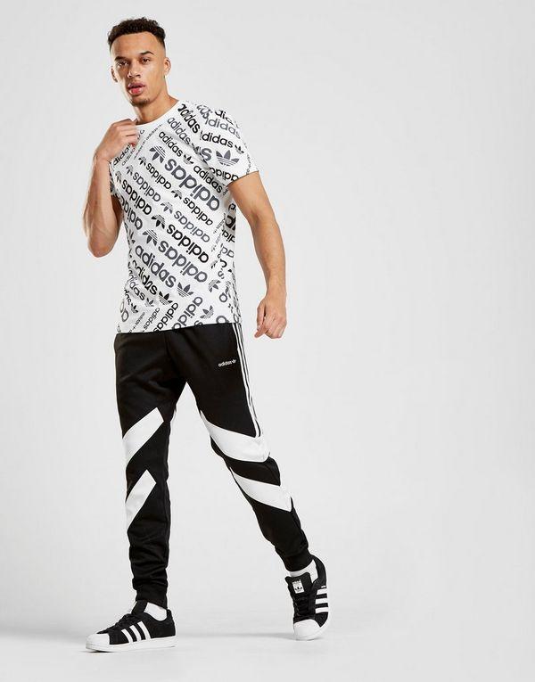 adidas originals t shirt trefoil all over print homme jd sports. Black Bedroom Furniture Sets. Home Design Ideas