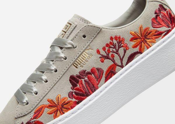 f7c3f6004f38 PUMA Suede Platform Floral Women s