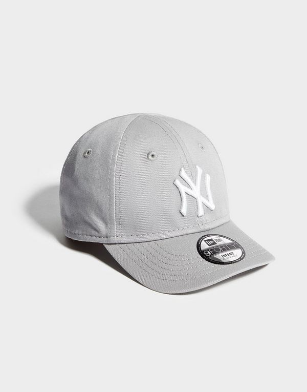 New Era MLB New York Yankees 9FORTY Cap Infant  5be2ae211a3