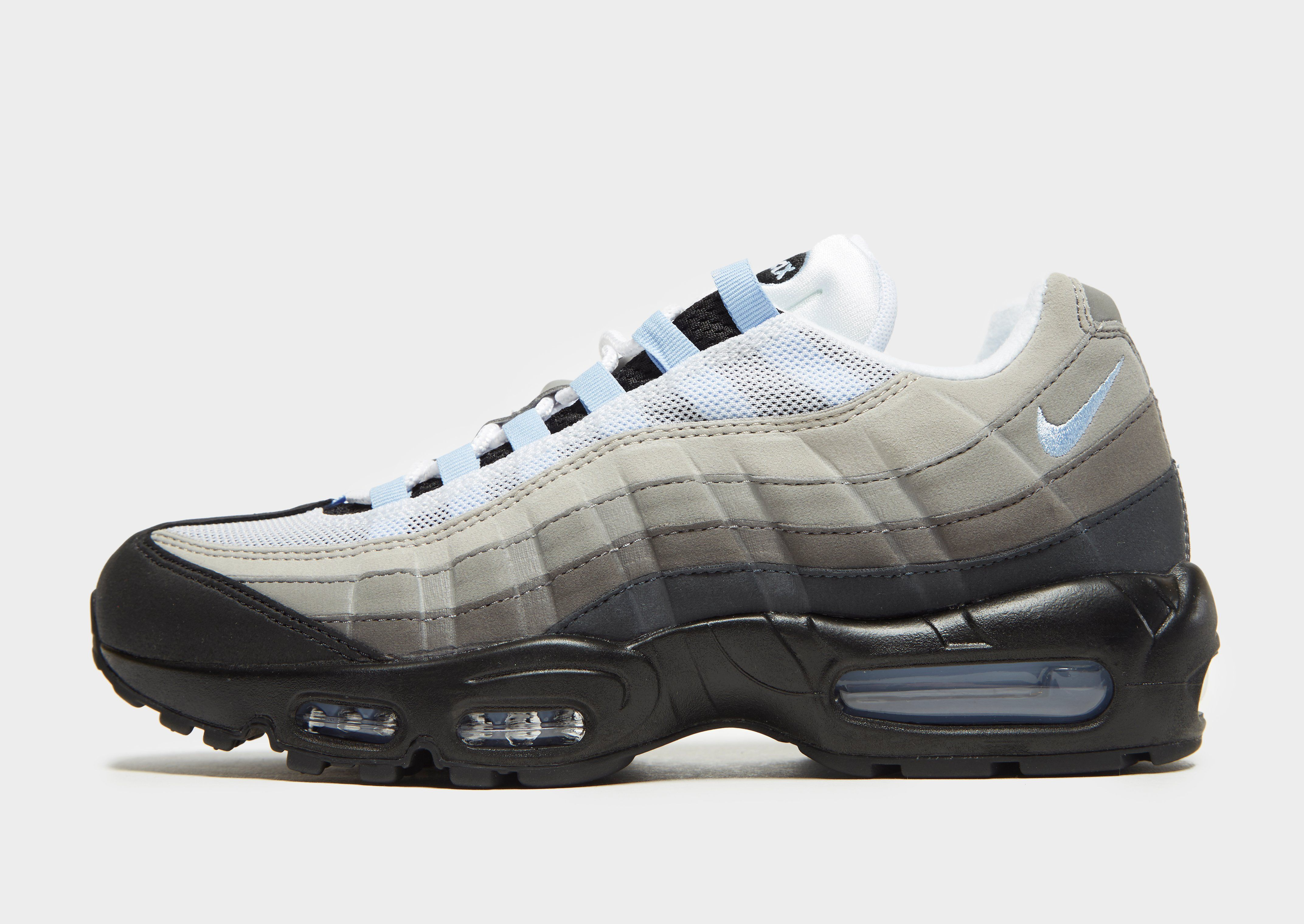 Nike Air Max 95 Essential  2f2a827df