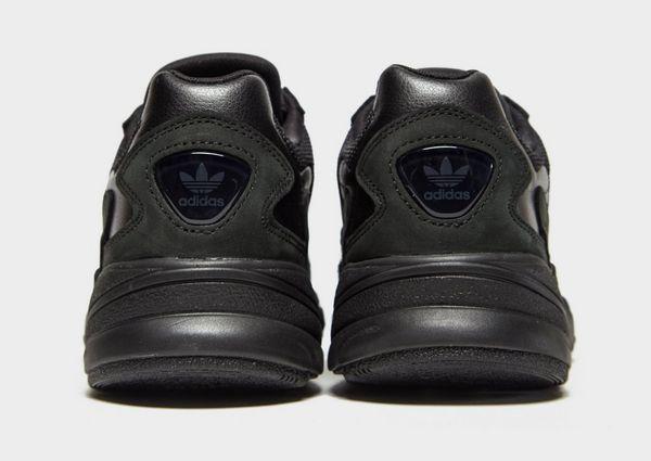 reputable site 9e410 d4bca adidas Originals Falcon Womens