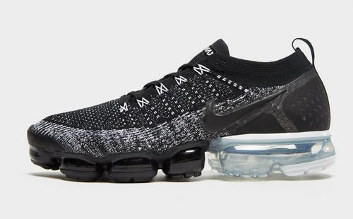 differently c6262 a85dd Air VaporMax Flyknit 2
