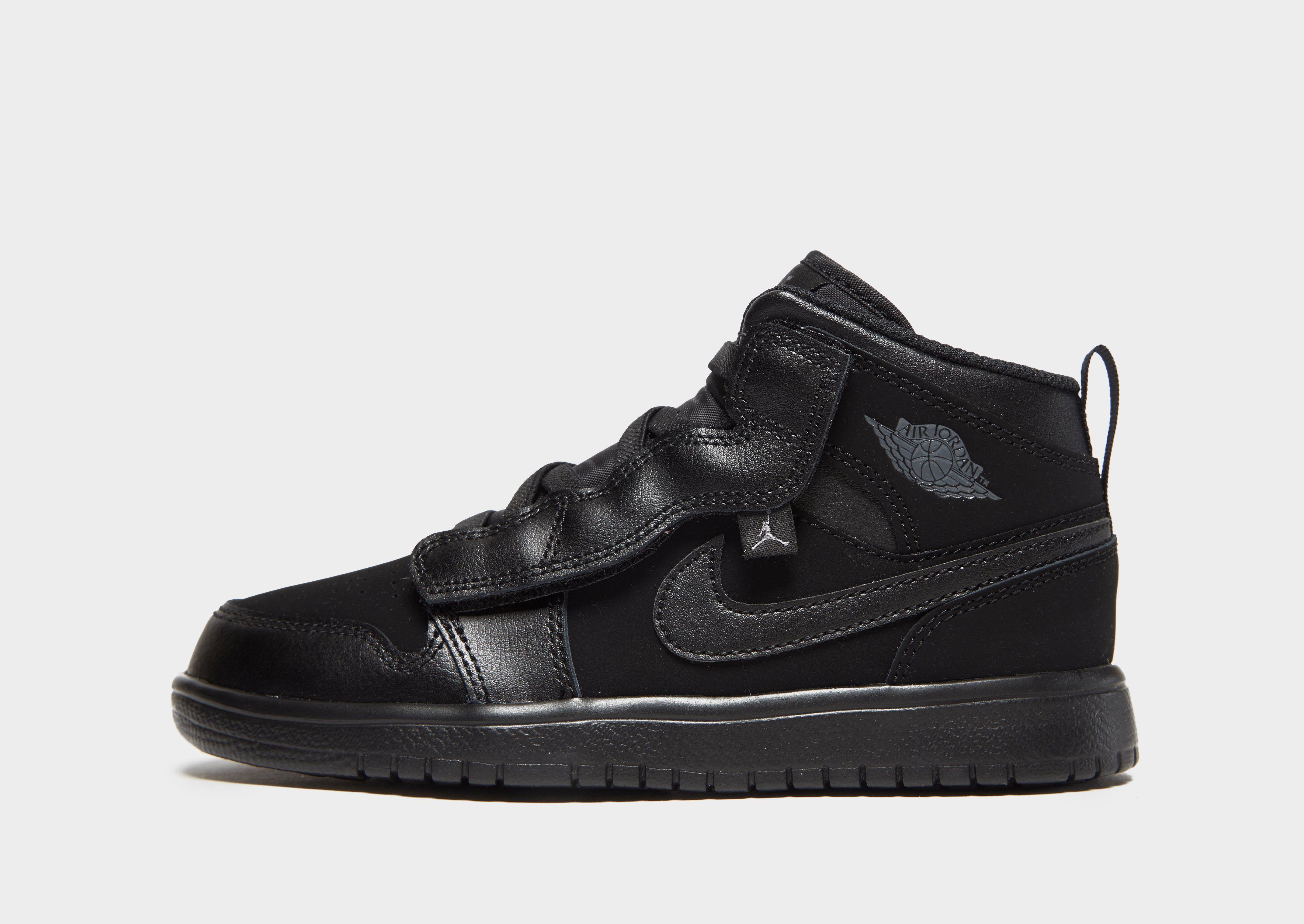NIKE Air Jordan 1 Mid Alt Younger Kids  Shoe  f95baba8101
