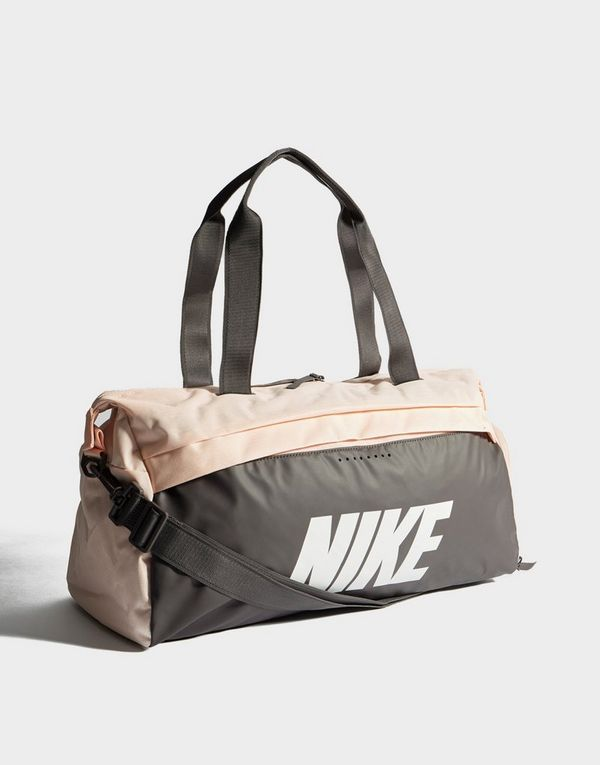 82d8fe8690 Nike Radiate Club Duffle Bag