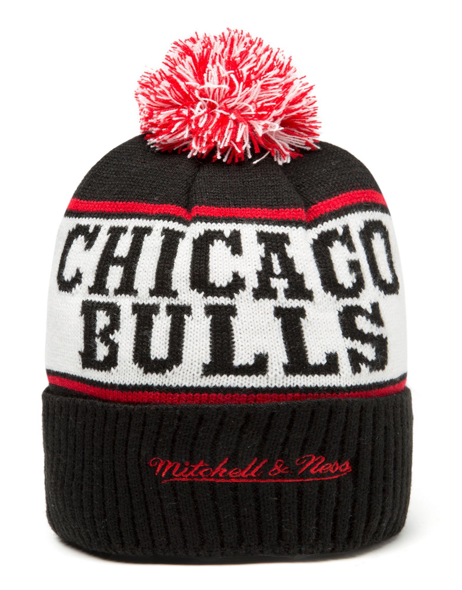 Mitchell & Ness NBA Chicago Bulls Wordmark Bobble Hat