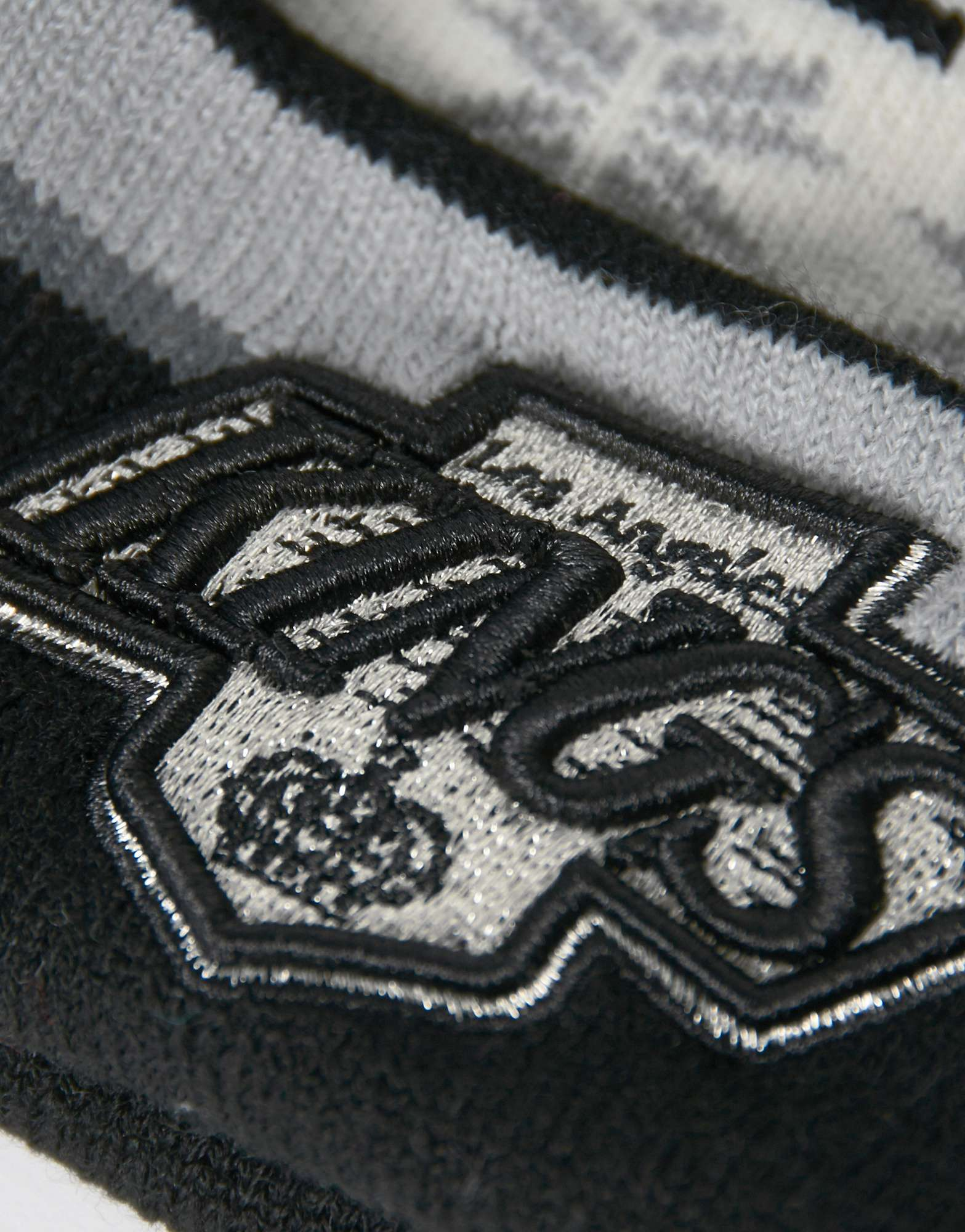 New Era NHL Los Angeles Kings Blizzard Bobble Hat
