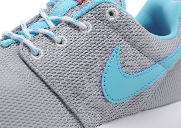 d24dbe7550 ... 2 JD Sports Nike Roshe One Junior ...