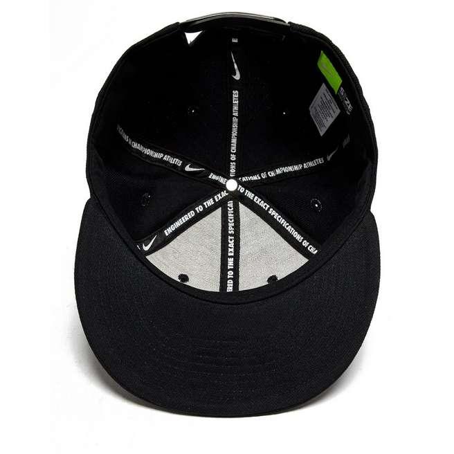 Nike Limitless True Snapback Cap