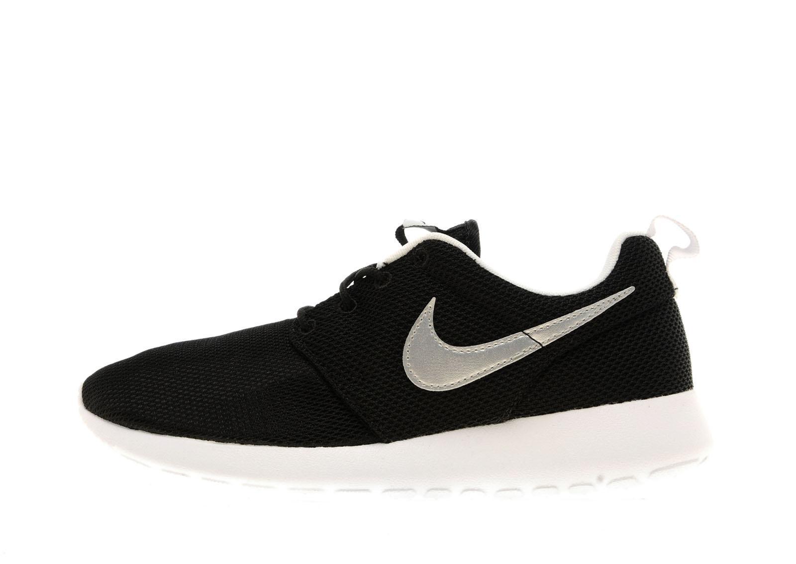 Nike Roshe Un Des Formateurs Junior Jd