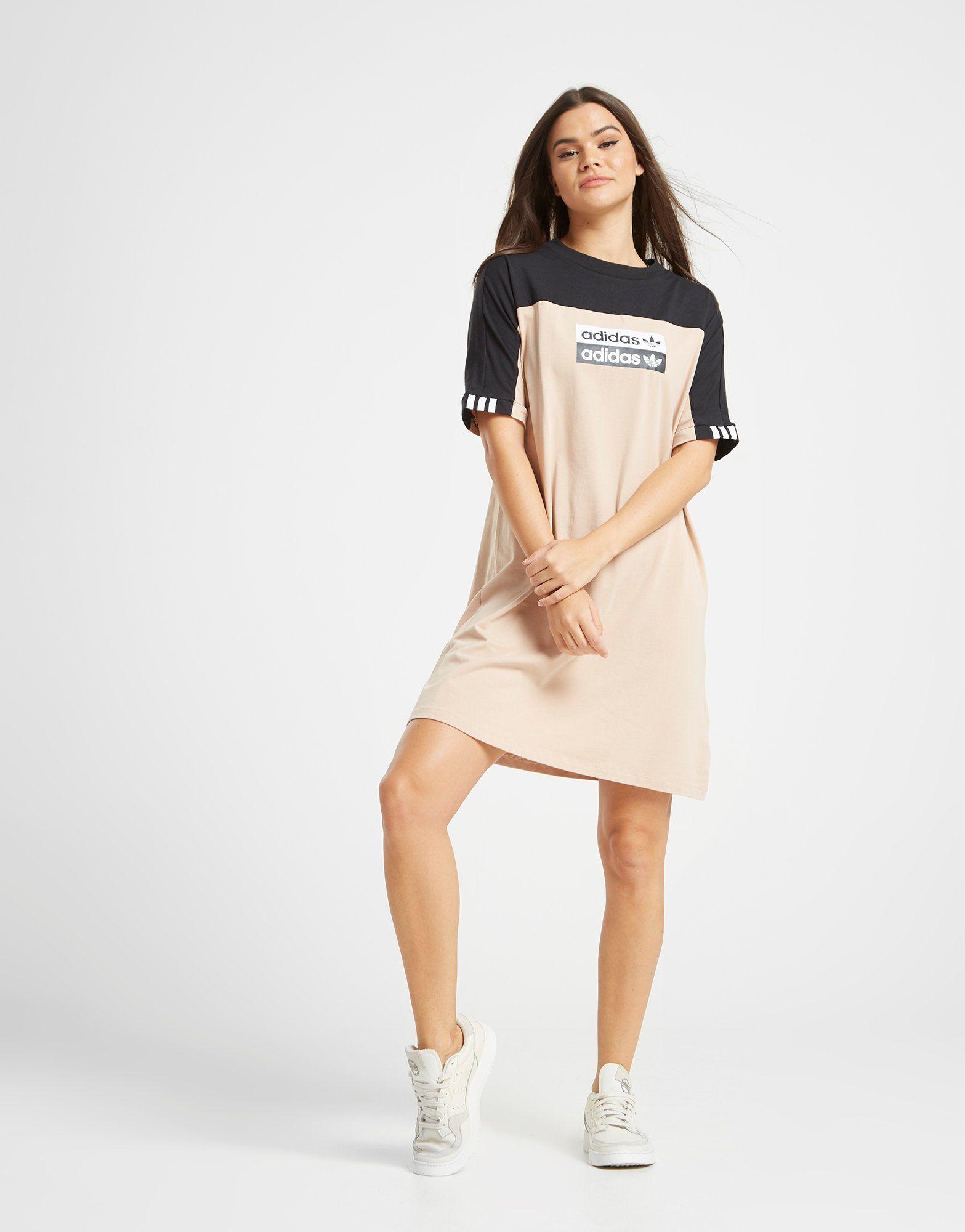 super qualité dernière sélection de 2019 prix le moins cher adidas Originals Robe T-Shirt Tape Femme | JD Sports