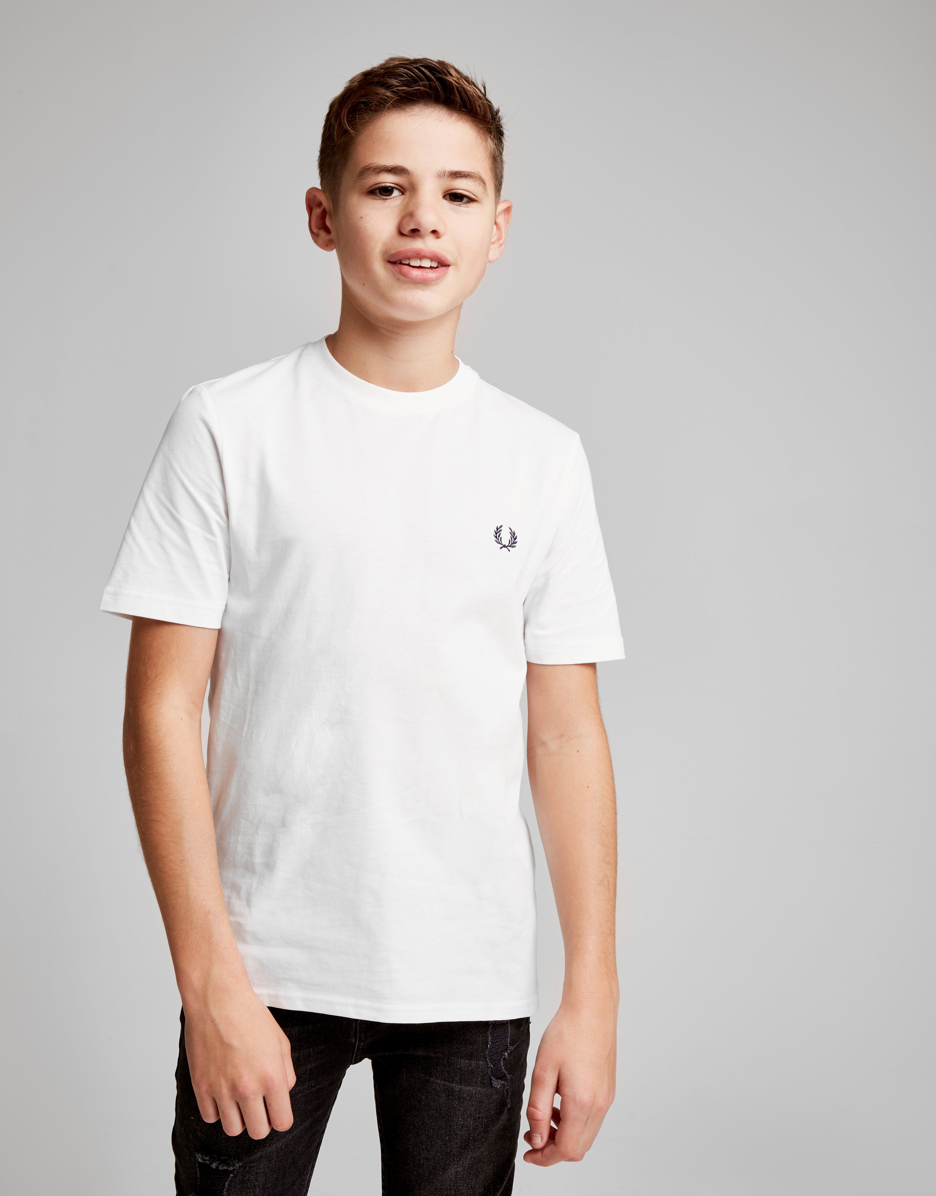 Fred perry laurel t shirt junior jd sports for T shirts for 15 year olds