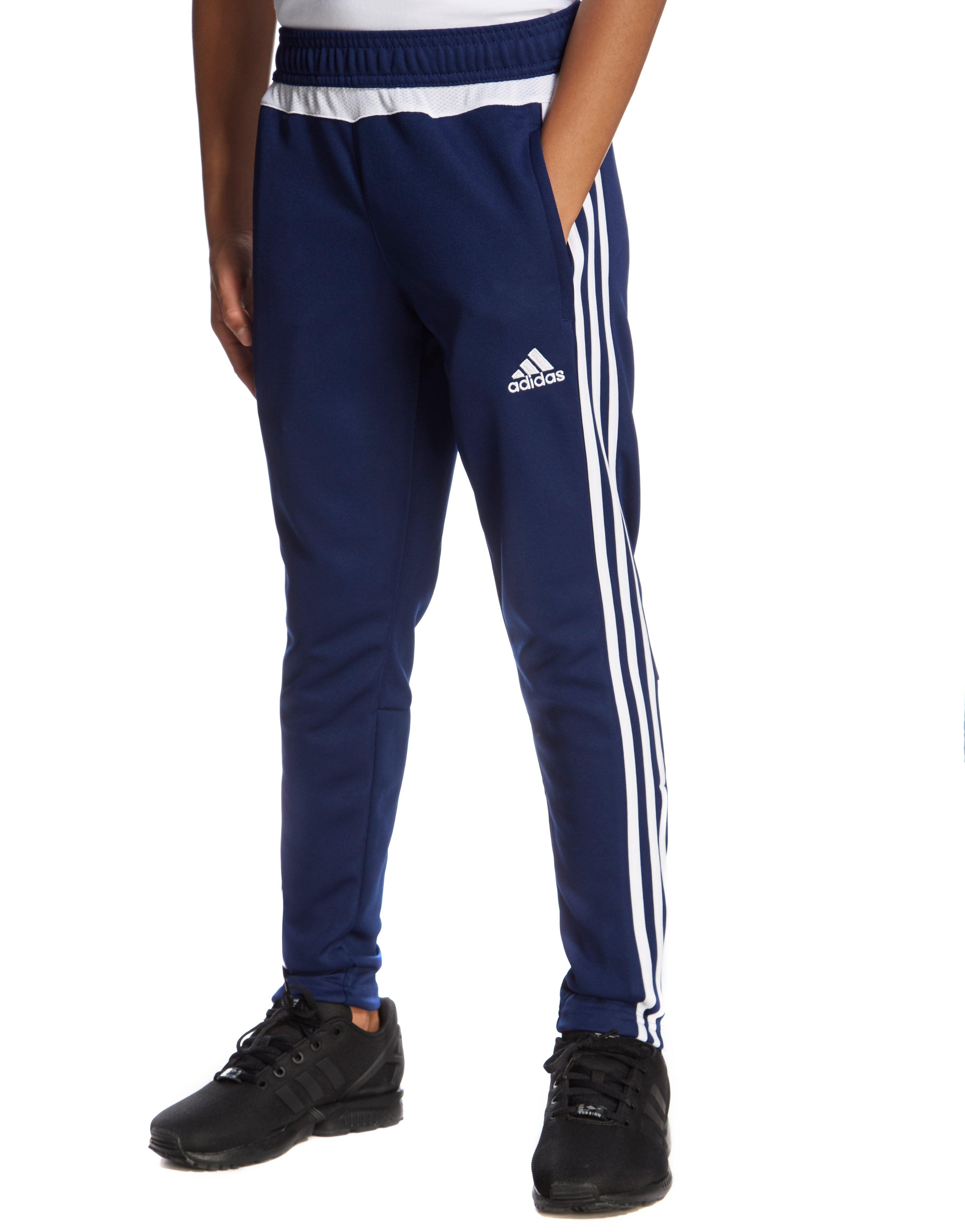 stores that sell adidas clothing