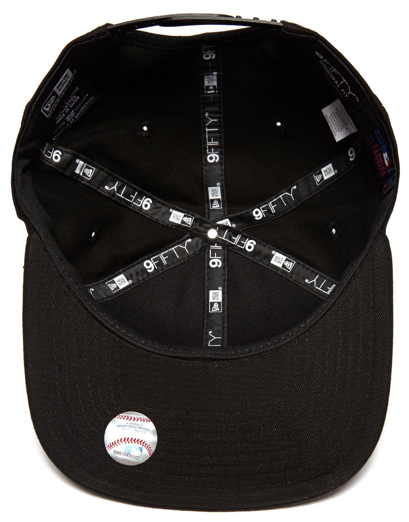 New Era MLB New York Yankees 9FIFTY Metallic Badge Cap