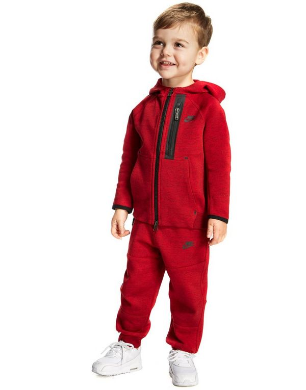e9fa18af0c96 red nike tech suit