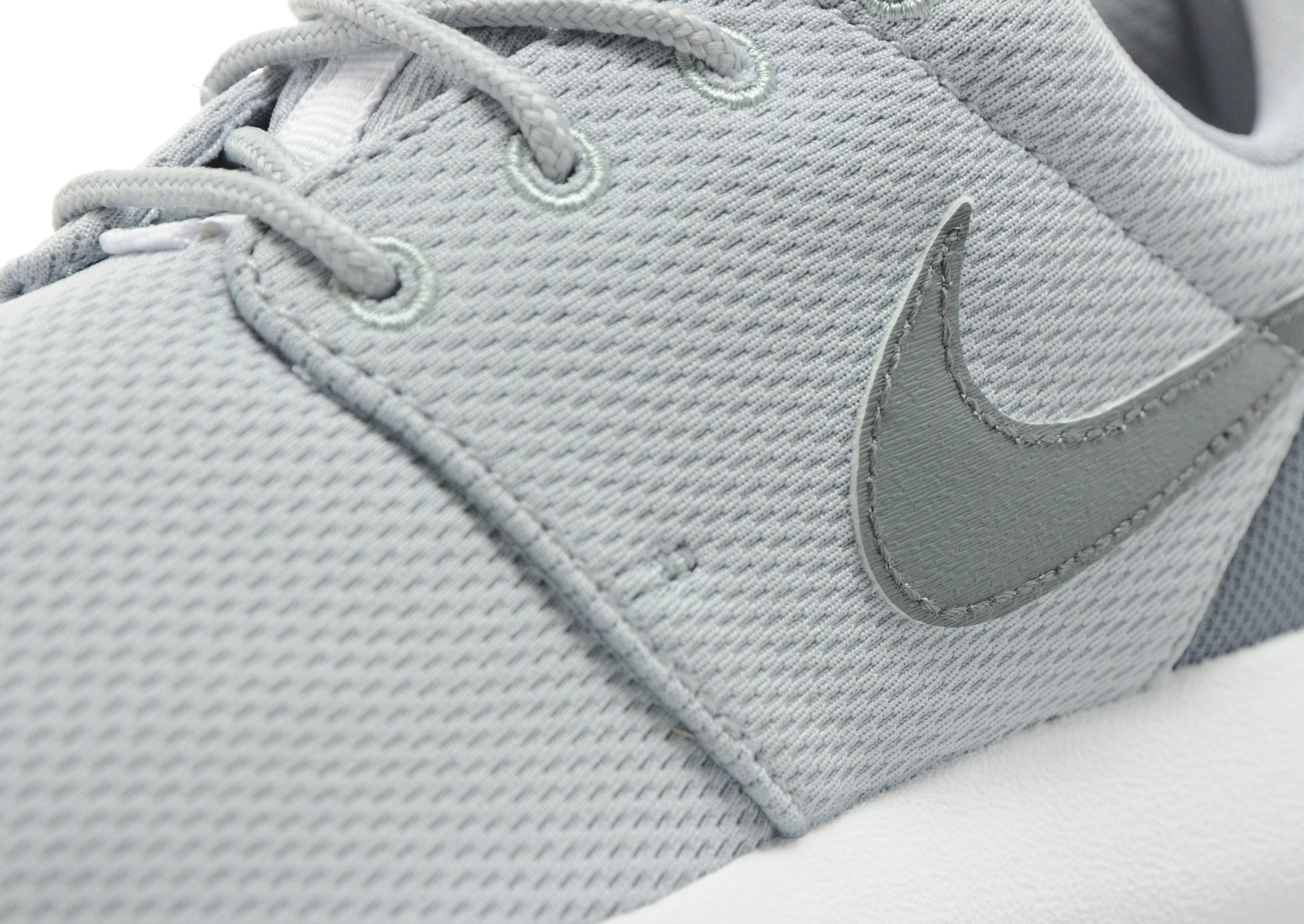 howdc Nike Roshe One Junior | JD Sports