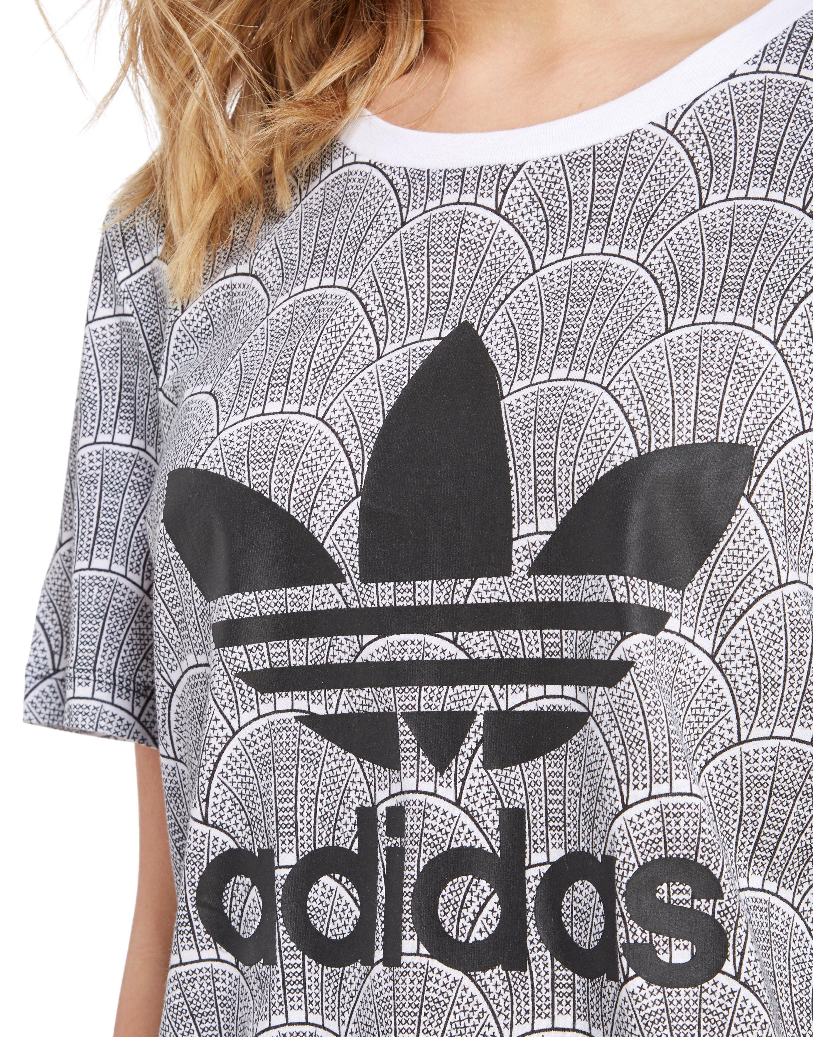 adidas Originals Shell Tile Boyfriend T-Shirt