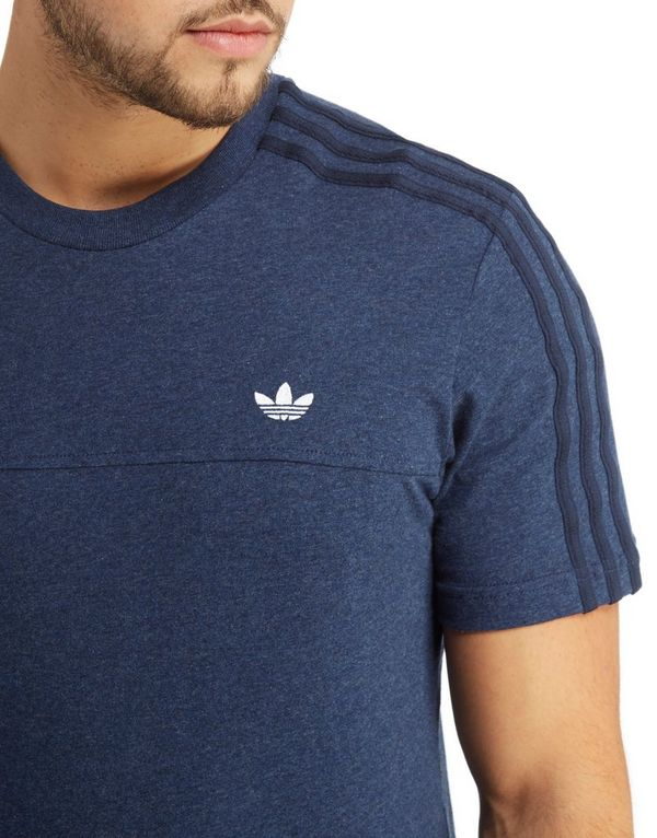 Adidas t shirt classic for Adidas classic t shirt