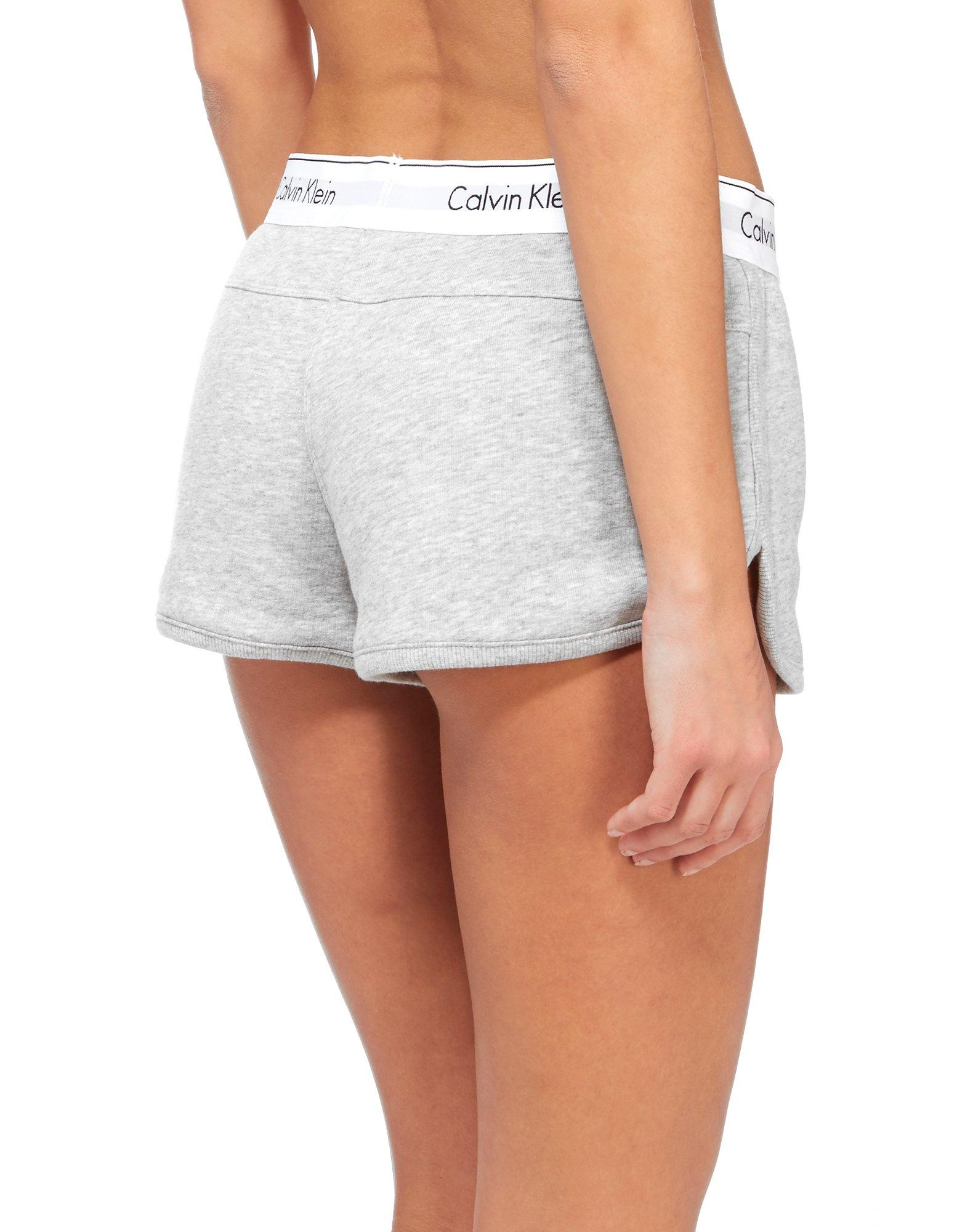 Fleece shorts dam