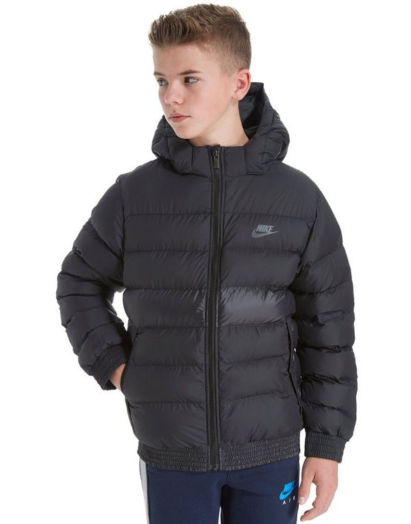 Look great and stay warm with the latest juniors' outerwear. Keeping up with the latest fashion trends is easy with stylish juniors' outerwear. Throwing a juniors' coat or lightweight jacket over your fall or winter layers can help keep the chill out and give you more fun options for creating new looks.