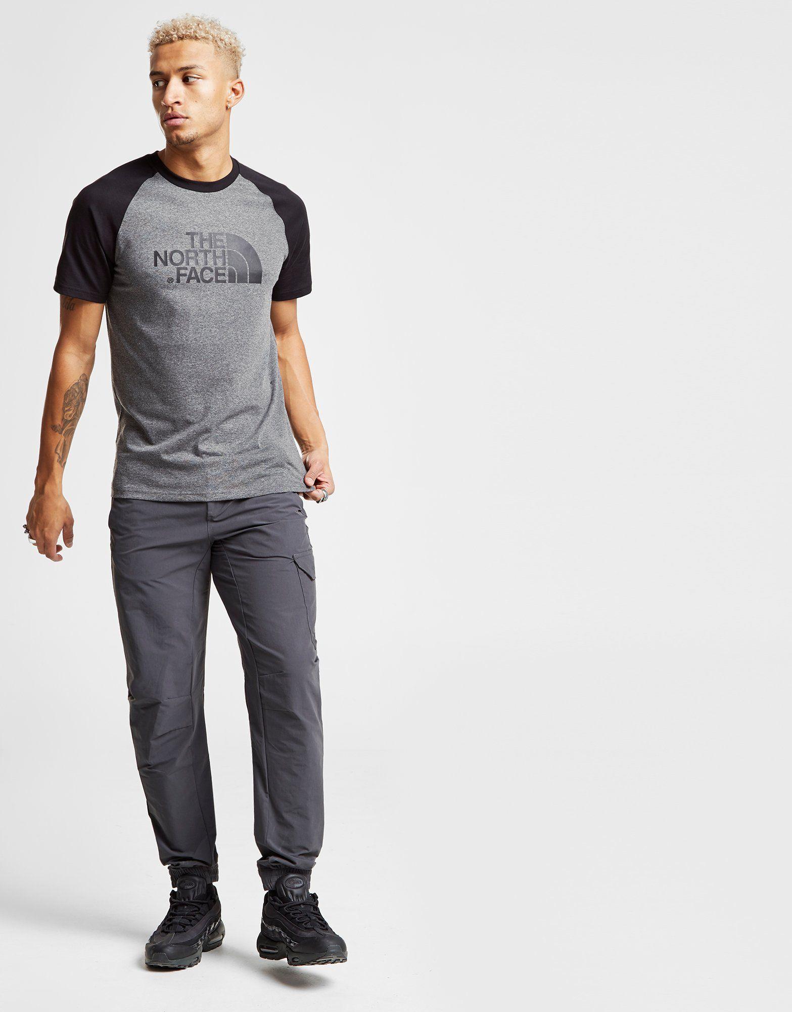 The North Face Raglan T-Shirt Grau