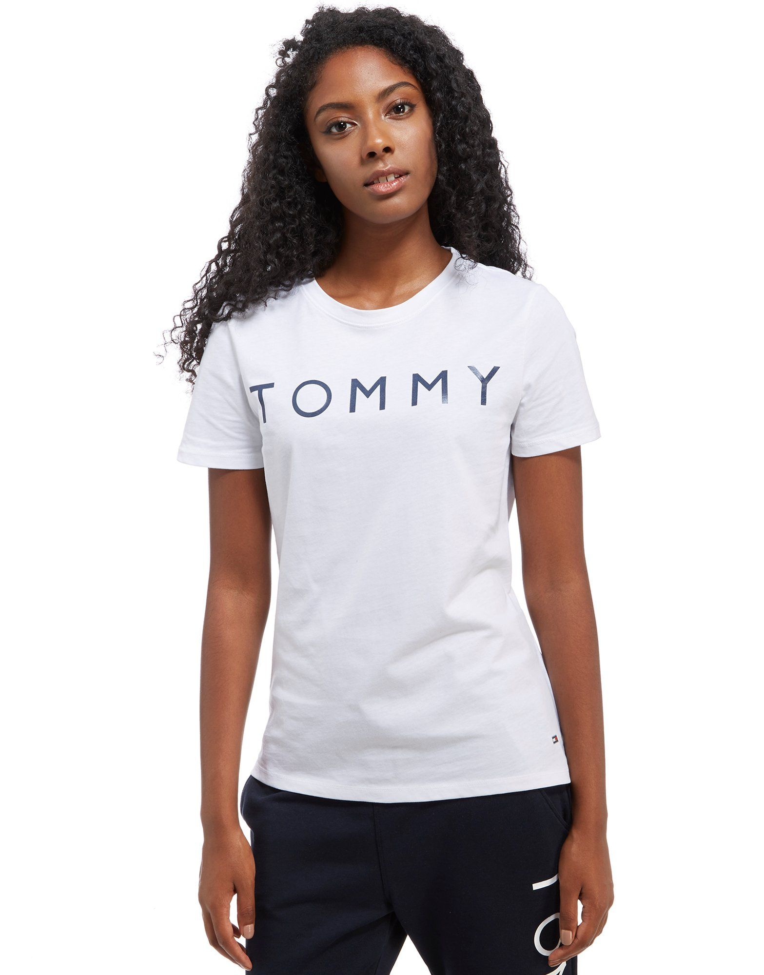 tommy hilfiger logo t shirt jd sports. Black Bedroom Furniture Sets. Home Design Ideas