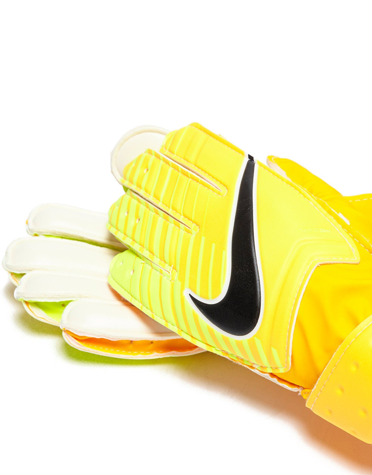 nike junior match size 4 goalkeeper gloves Sizejunior 4-8 soccer glove sizing guide sizingtrue to size finger protection none removableno best for:training recommended playing surfacefirm.