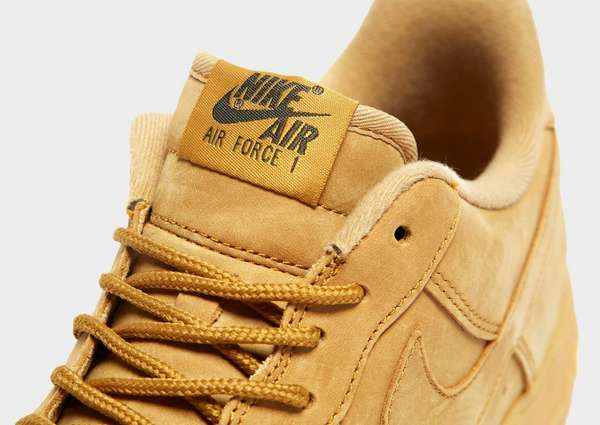 finest selection 475b4 b7faa Nike Air Force 1 LV8 Flax