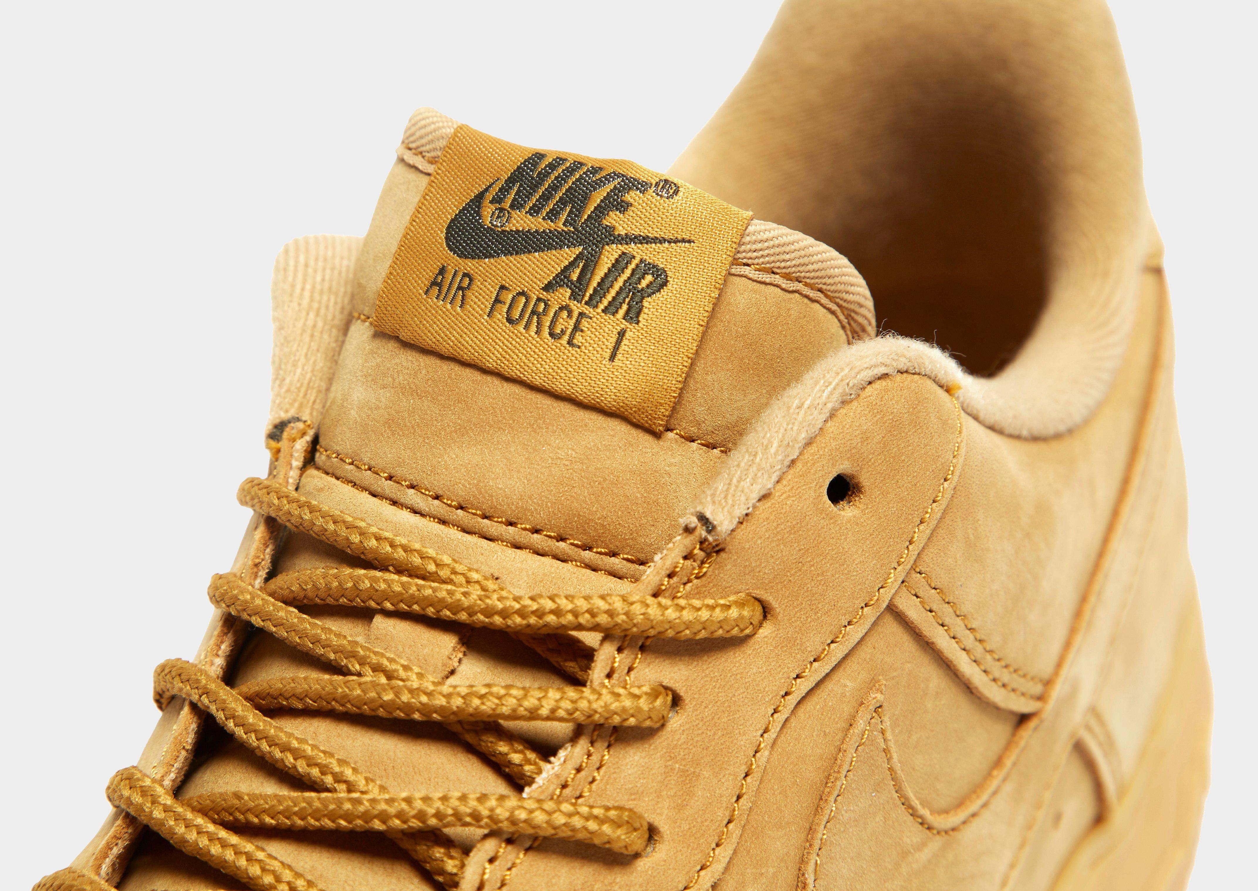 Nike Air Force 1 LV8 Flax