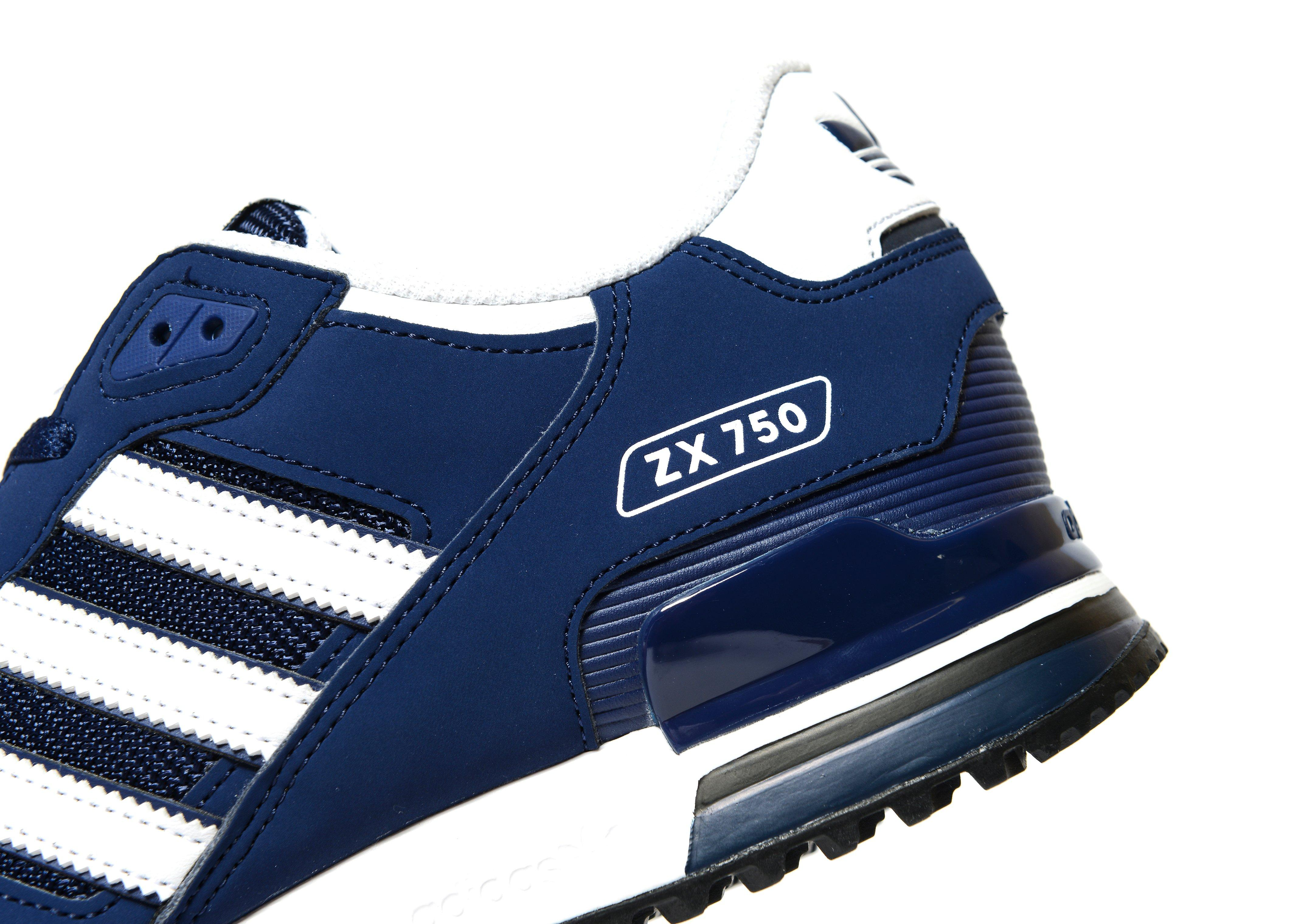 100% authentic 61289 1ee85 adidas Originals ZX 750  JD Sports