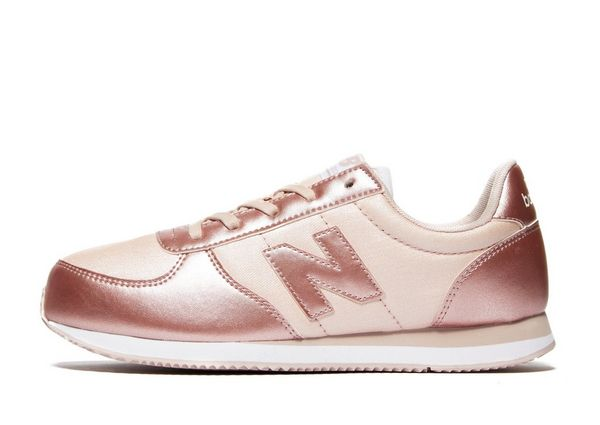new balance beige junior