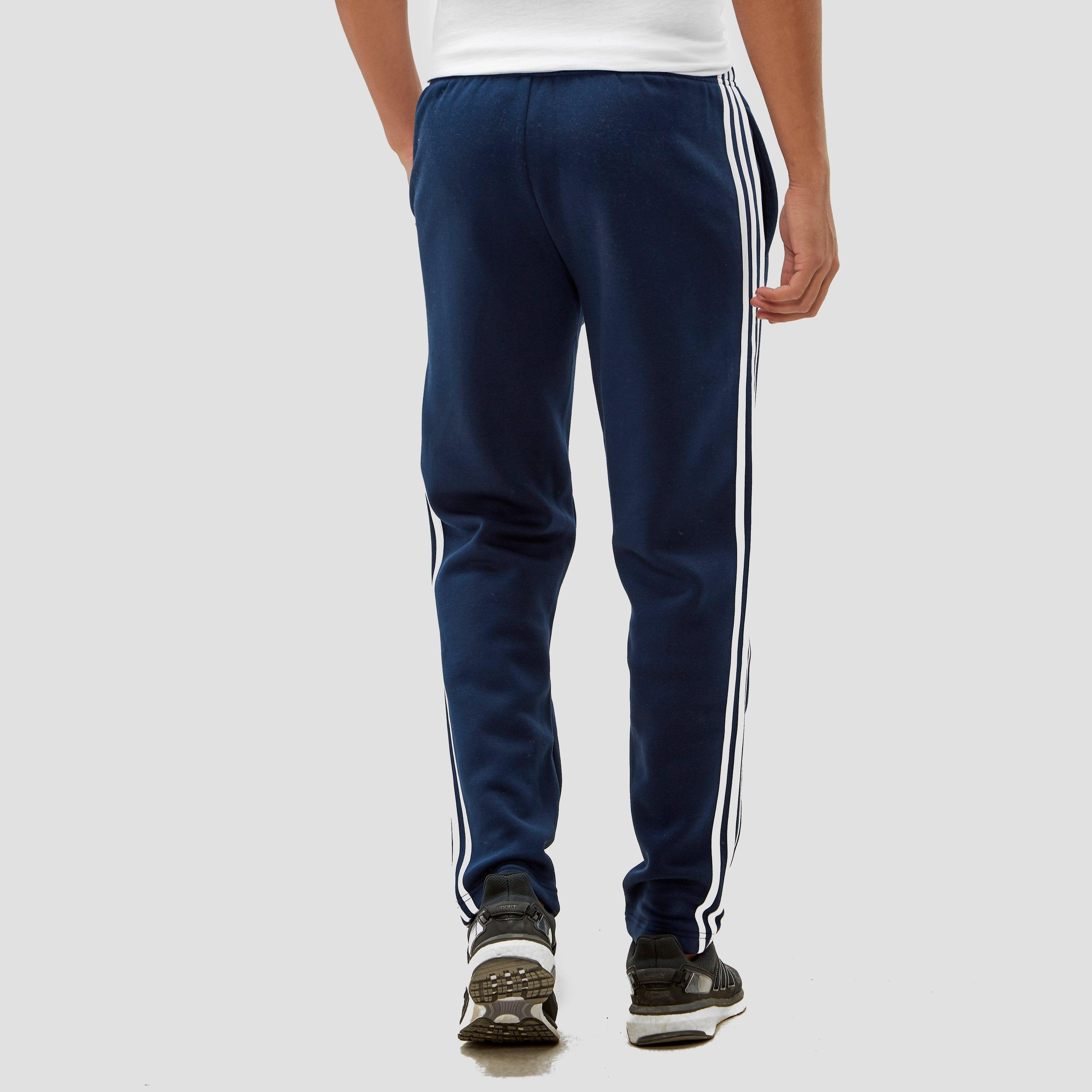 ADIDAS ESSENTIALS 3-STRIPES FLEECEBROEK BLAUW HEREN