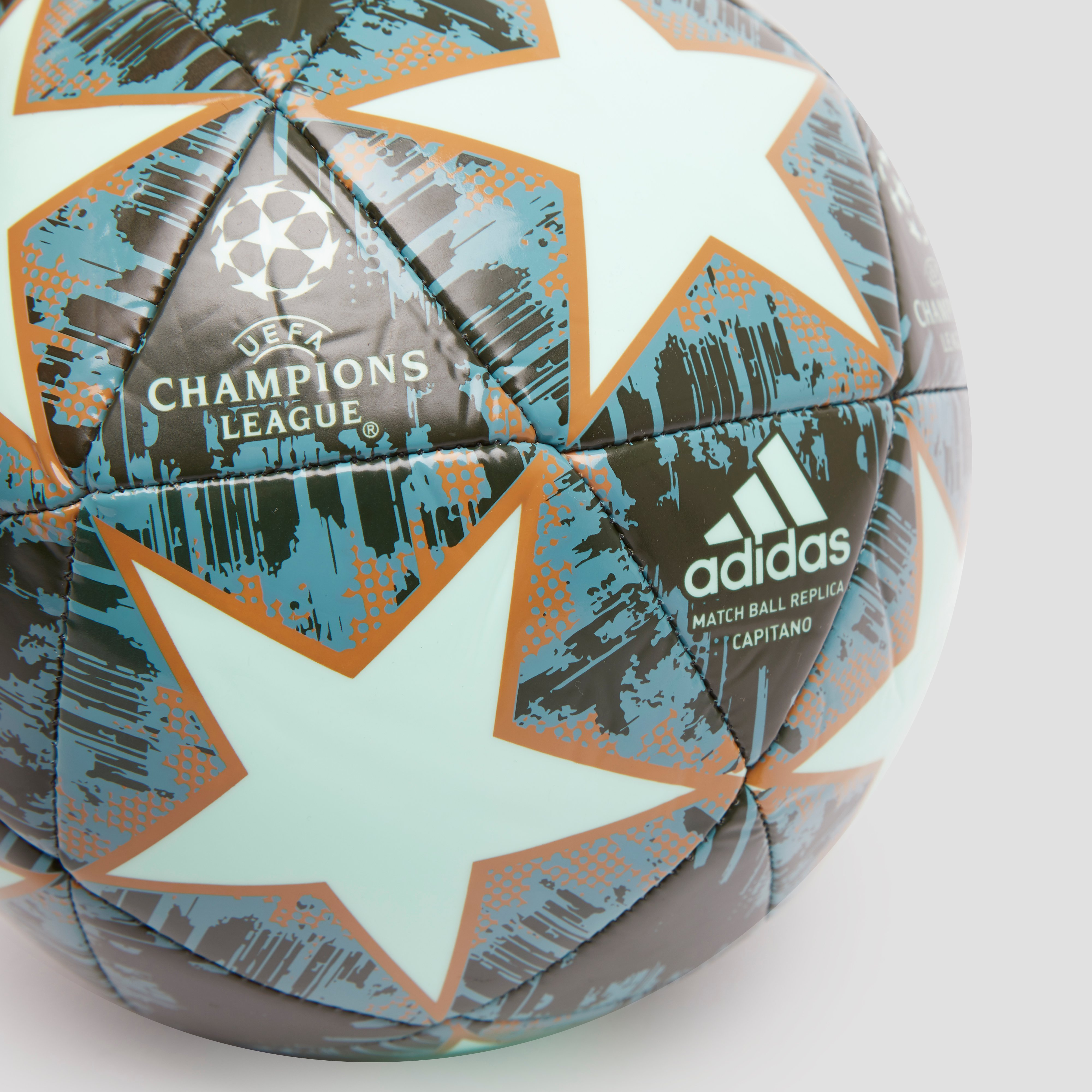 ADIDAS UEFA CHAMPIONS LEAGUE FINALE 18 CAPITANO VOETBAL GROEN