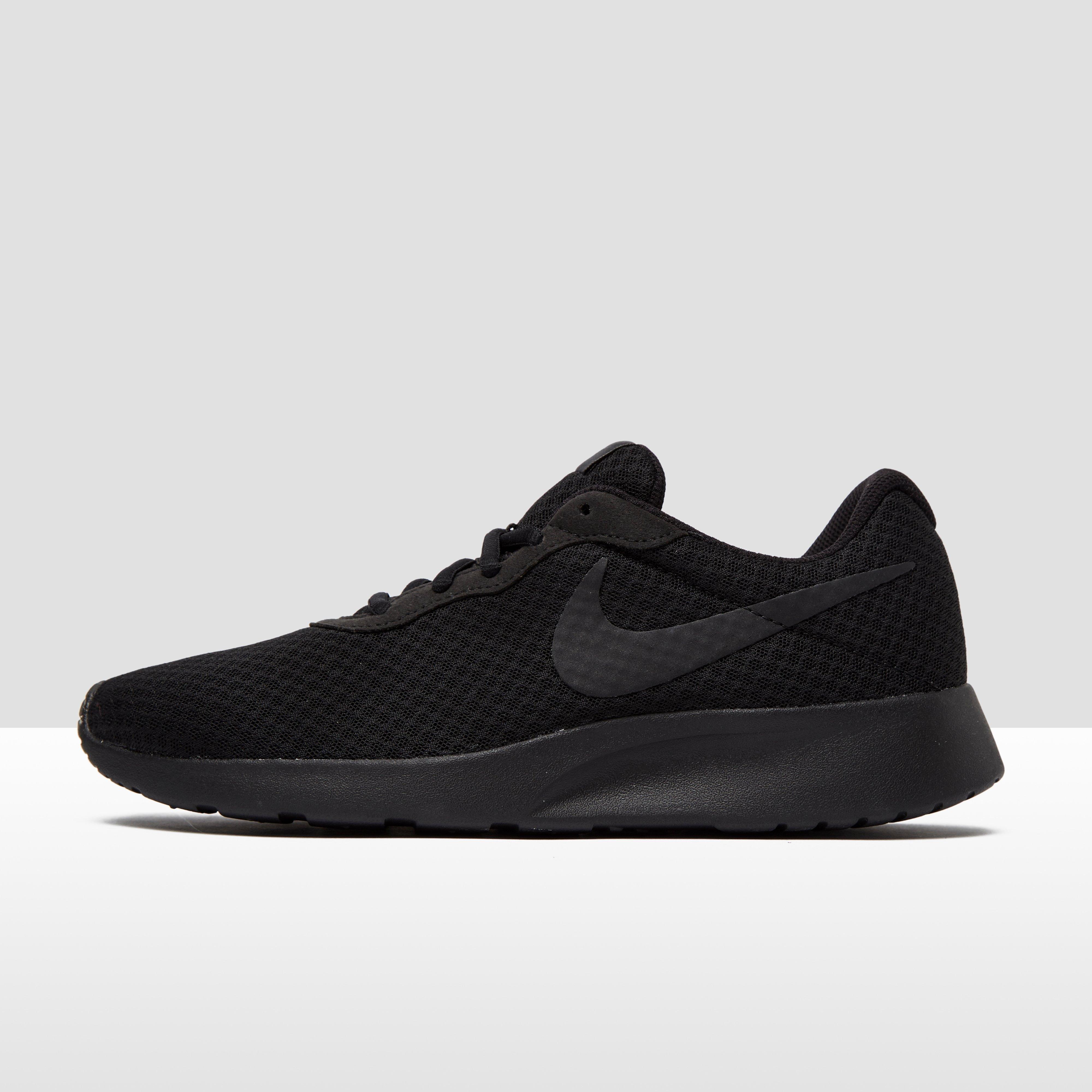 Tanjun Chaussures Noir Nike Pour Les Hommes pQROuI
