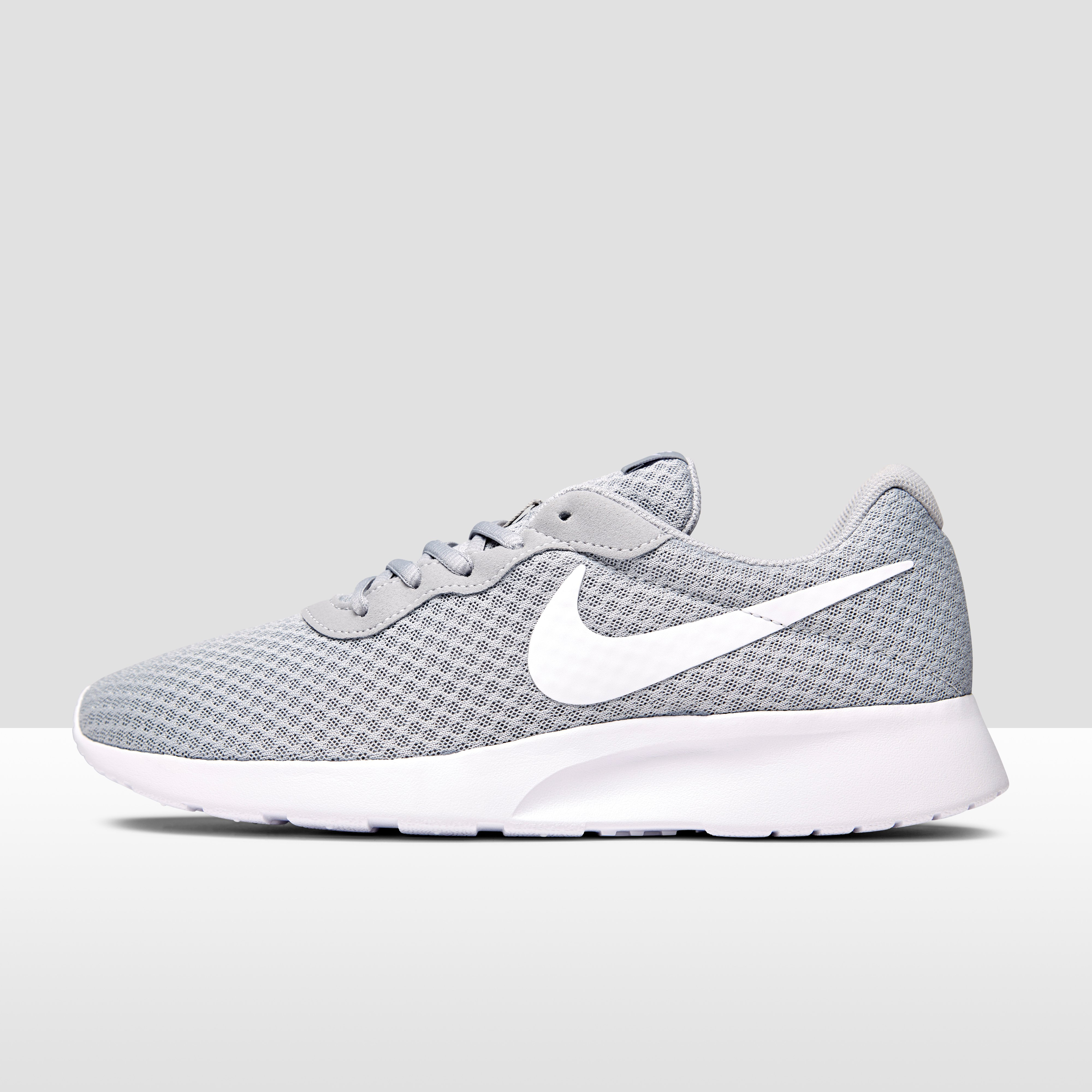 Tanjun Chaussures Gris Nike À 40,5 Pour Les Hommes