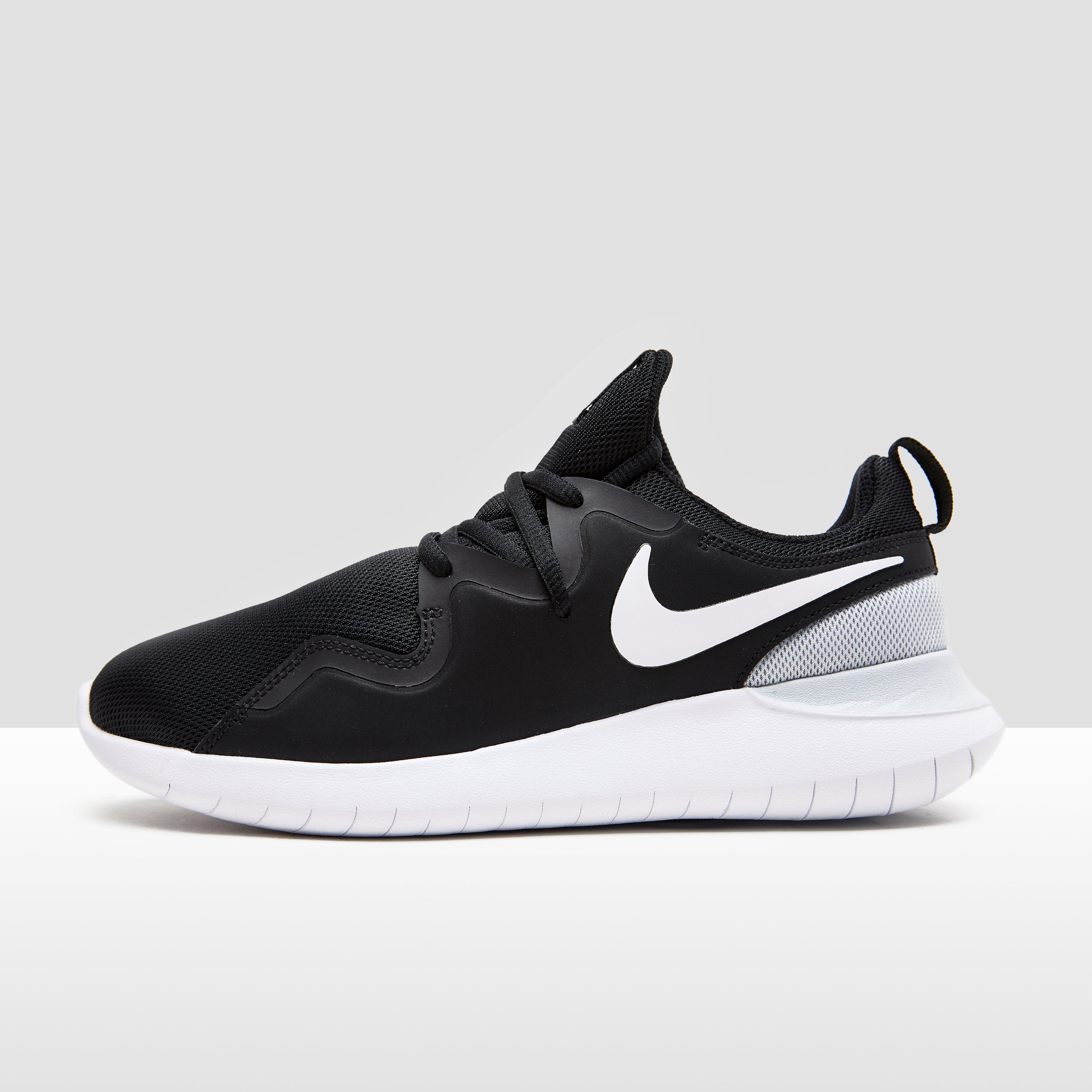 Nike Sneakers Femme Tessen oKHLj