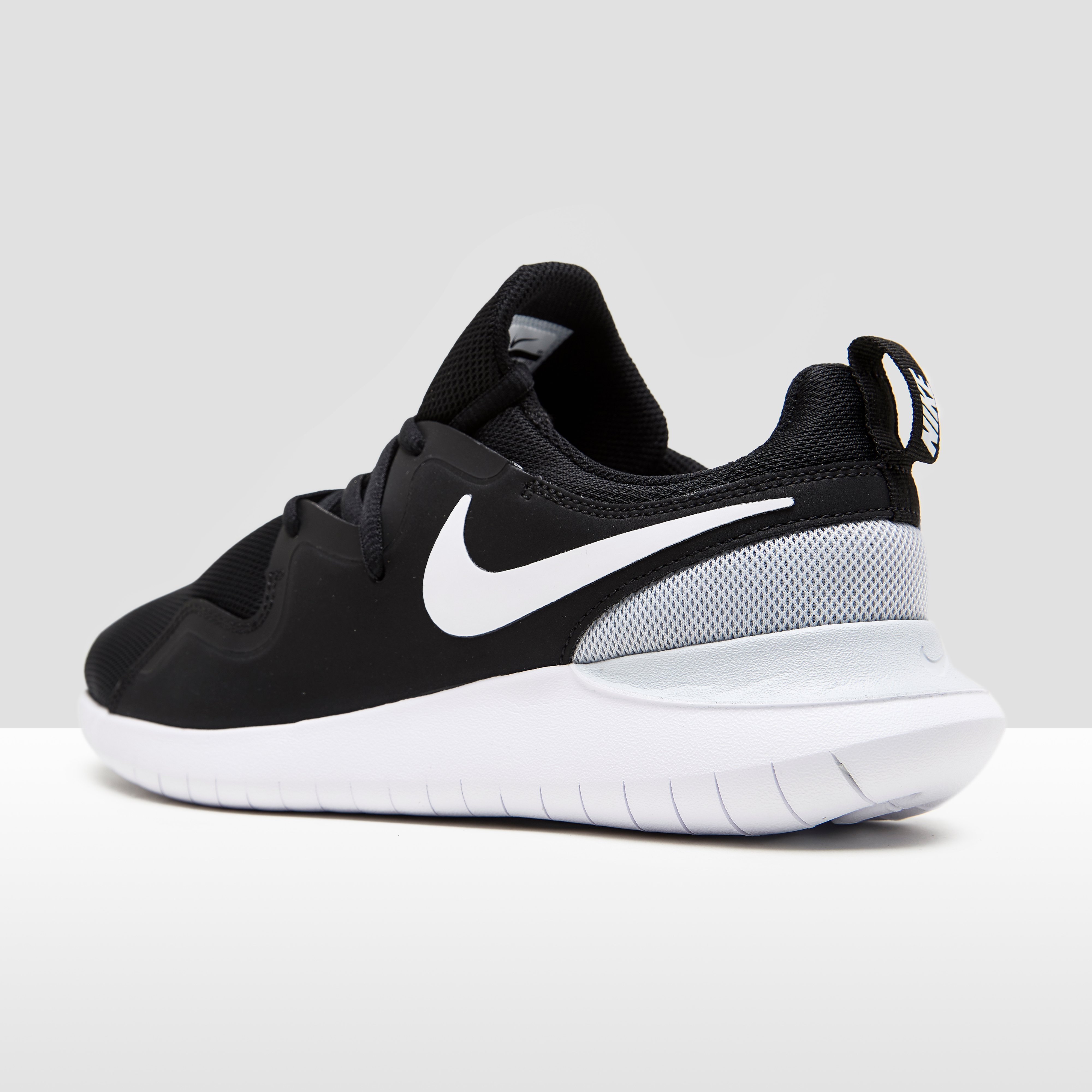 Nike Sneakers Femme Tessen myQTwV1aL